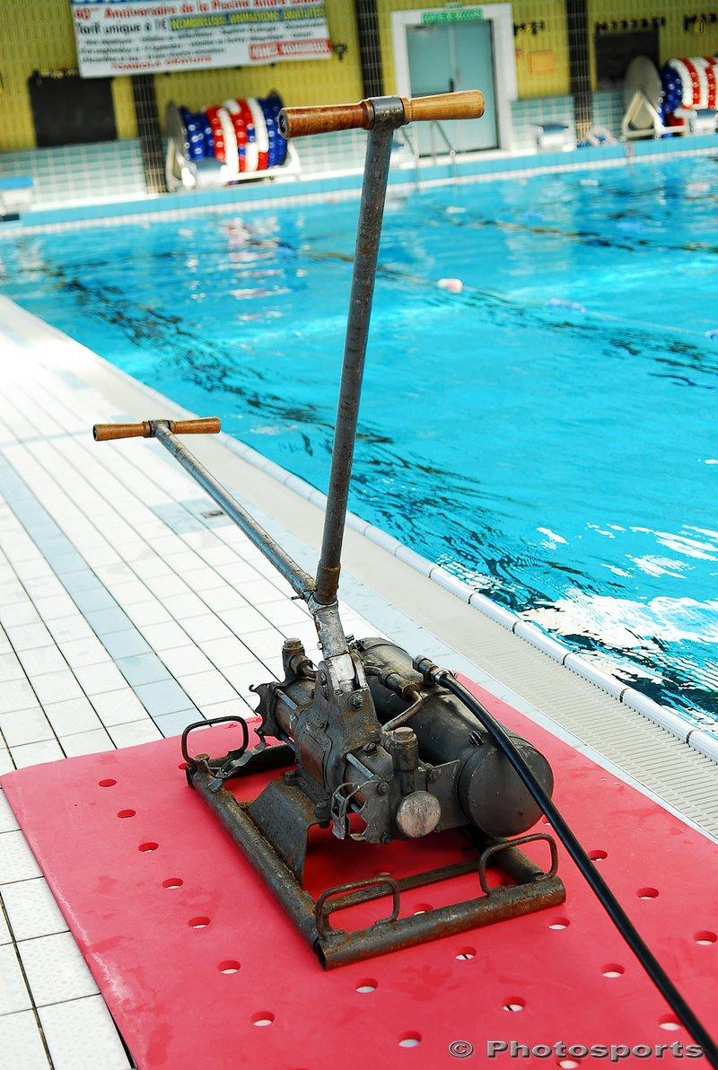 14-09-2011[Sports Aquatiques] Un Scaphandrier À La Piscine ... dedans Piscine Hautmont
