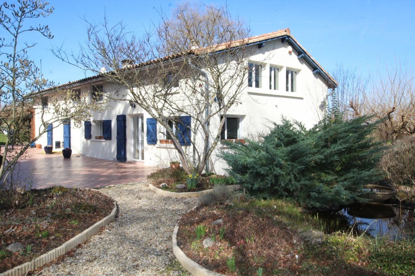 190 M² - Daumazan Sur Arize - Demeures-Maisons-Patrimoine destiné Piscine Saverdun