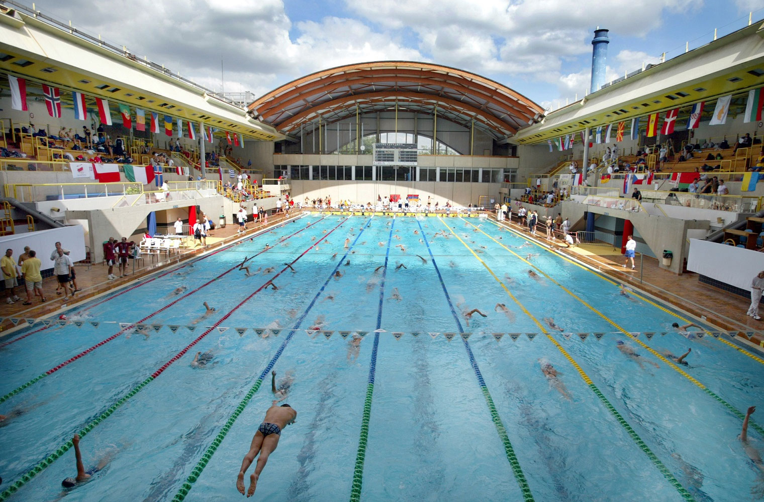1Cities dedans Piscine Champerret