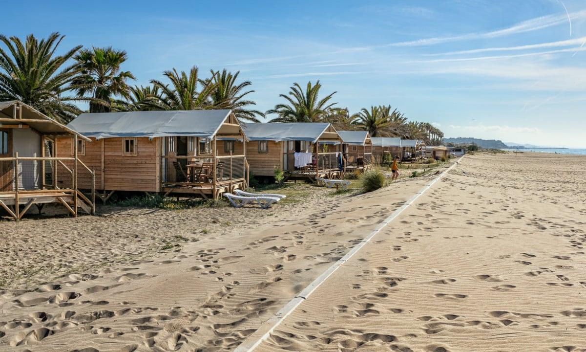 5 Campings Insolites En Espagne concernant Camping Bord De Mer Mediterranee Avec Piscine