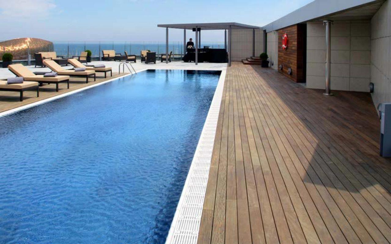 8 Hôtels Avec Terrasse-Piscine Sur Le Toit À Découvrir! - Le ... tout Hotel Seville Piscine