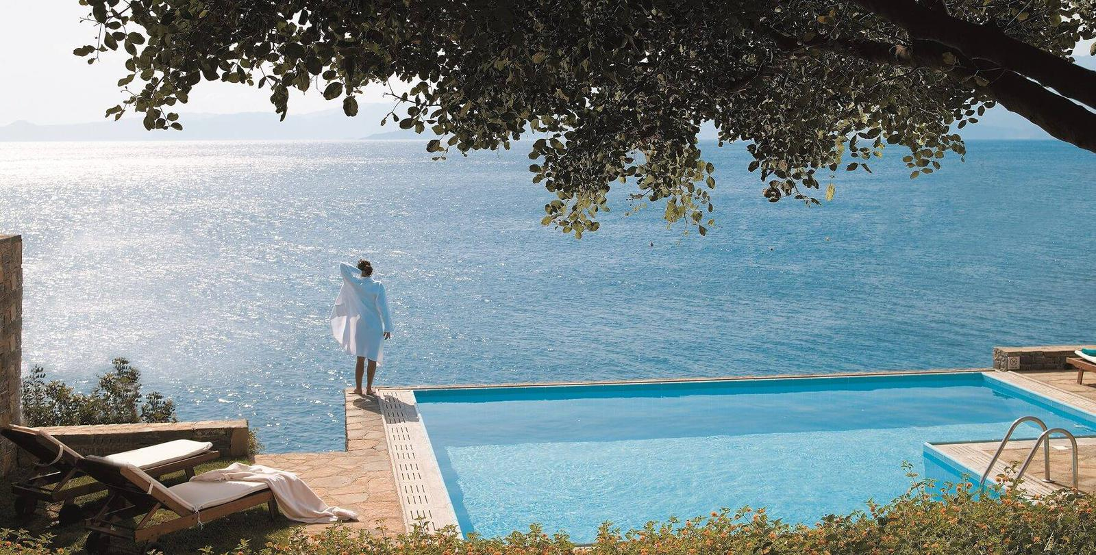 8 Suites D'hôtel Avec Piscine Privée Pour Un Week-End En Europe destiné Hotel Avec Piscine Ile De France