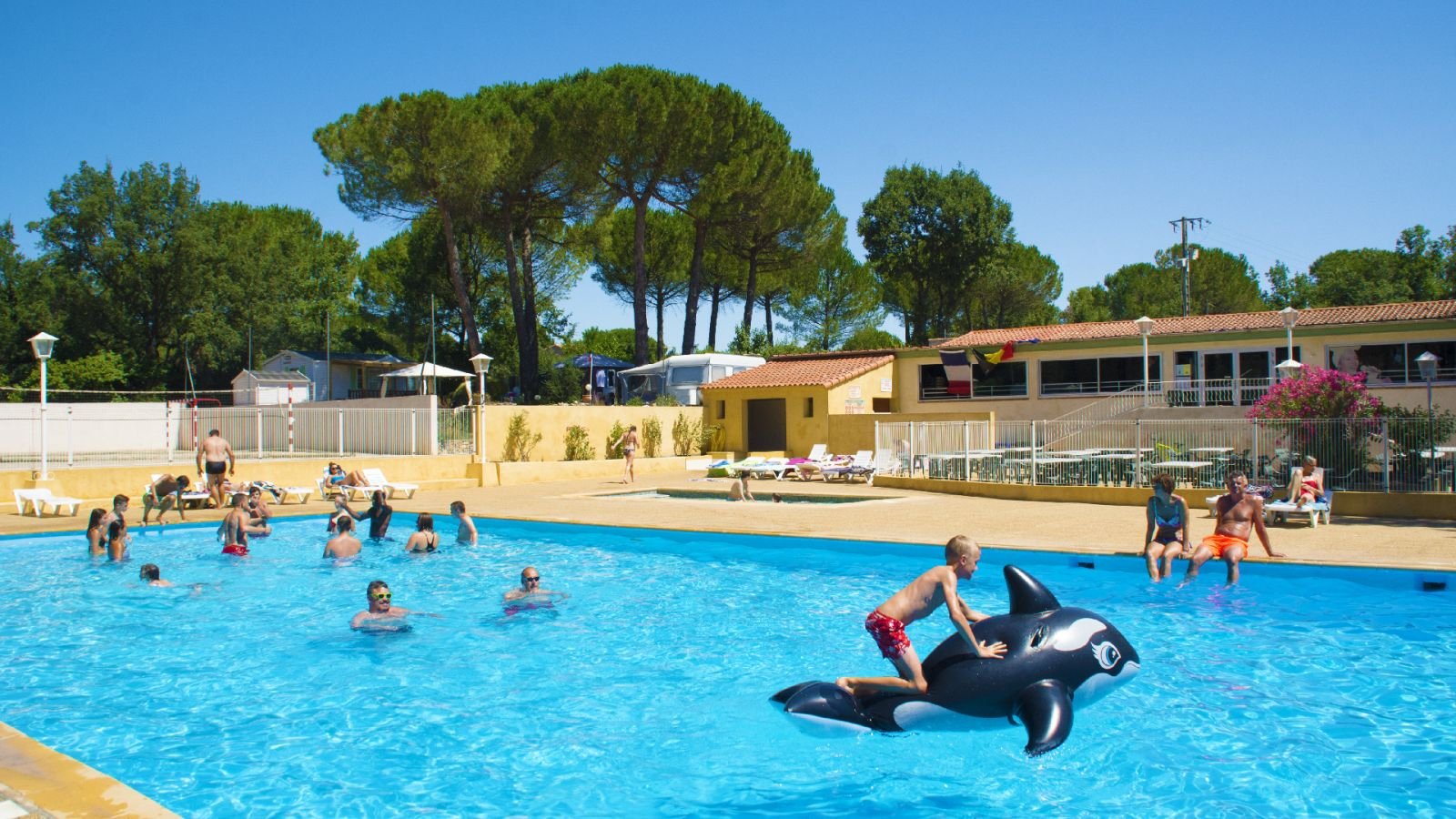 A 3-Star Campsite In Provence For Your Holidays In The South ... intérieur Camping Var Avec Piscine