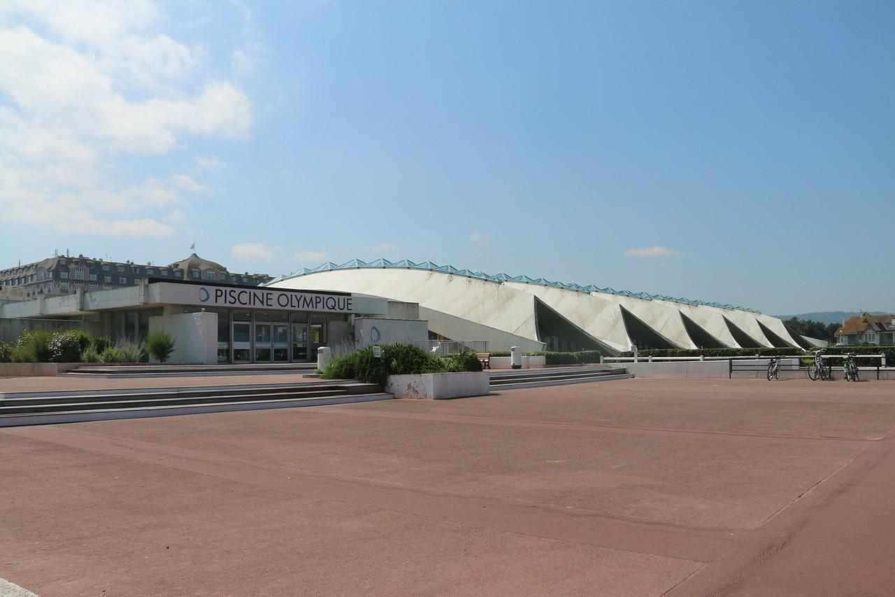 À Deauville, La Piscine Olympique D'eau De Mer Rouvre Ses ... encequiconcerne Piscine Olympique Deauville