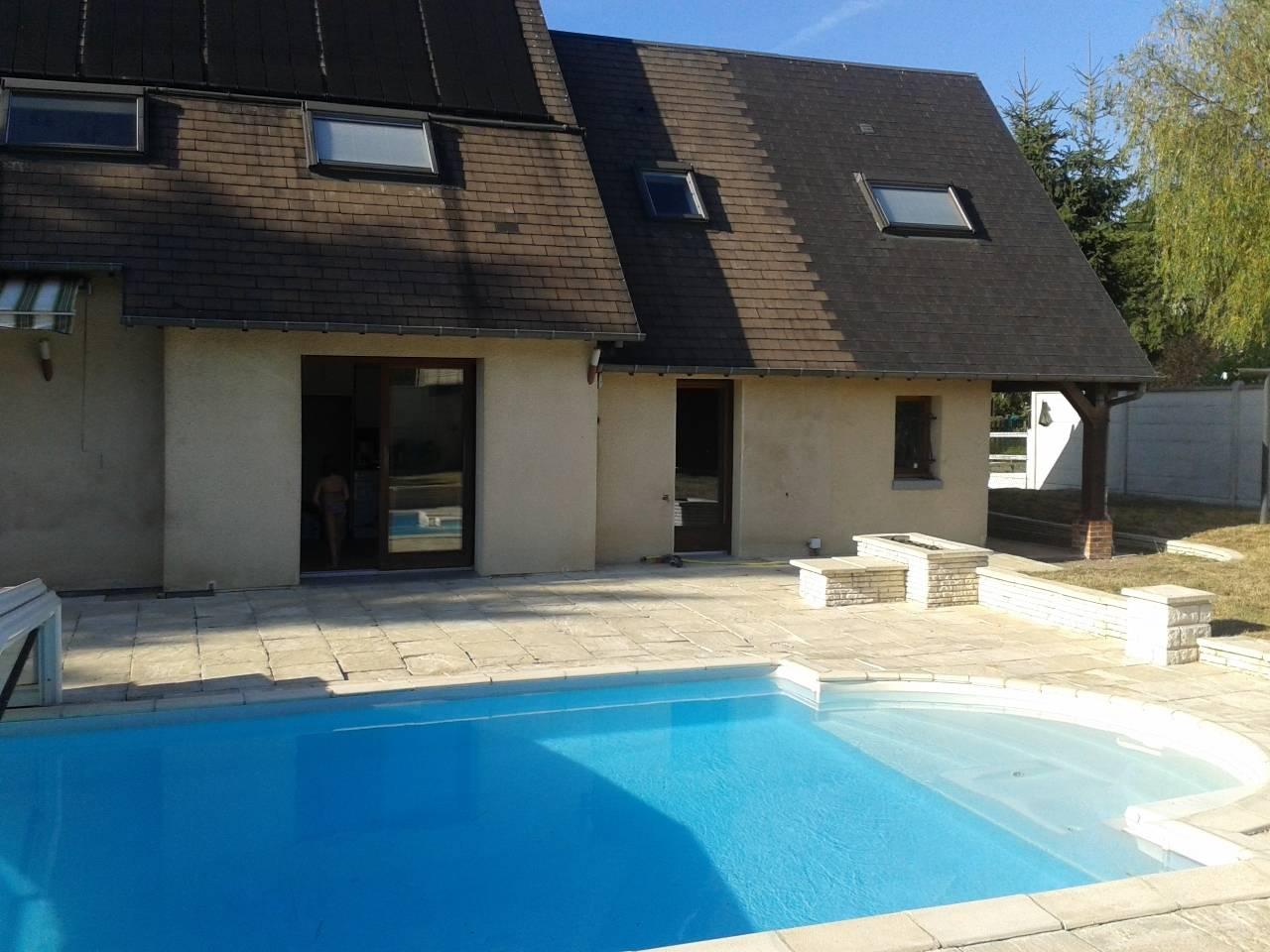 A Vendre Maison Contemporaine Axe Bernay - Le Neubourg ... dedans Piscine Le Neubourg