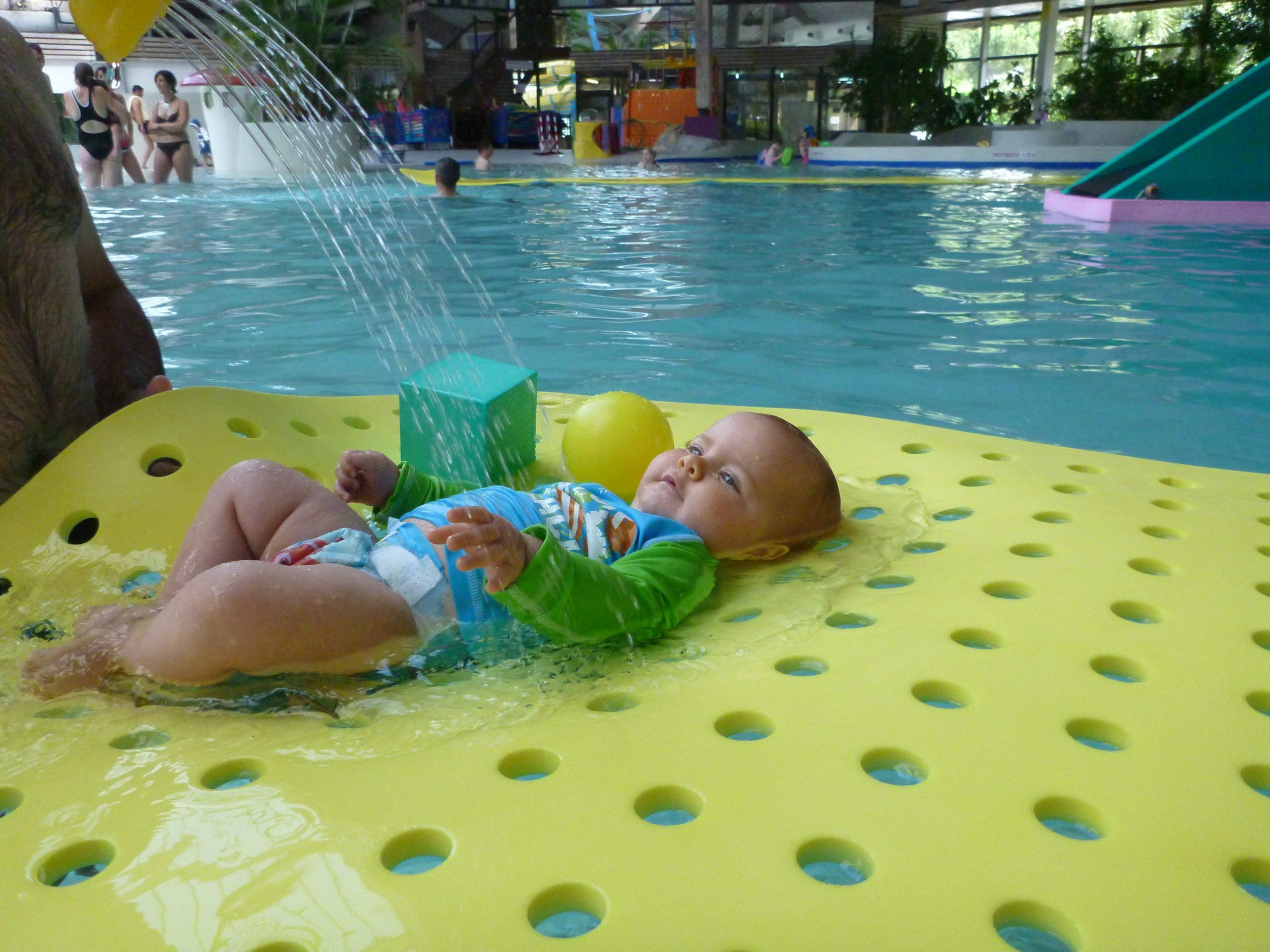 Accueil - Bébé Dans L'eau dedans Piscine Nemausa Nimes
