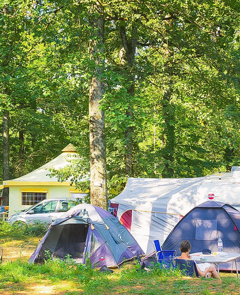 Accueil - Camping Les Monts D'albi encequiconcerne Camping A La Ferme Avec Piscine
