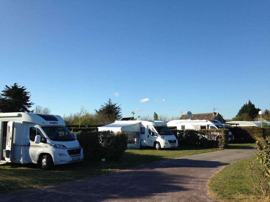 Aire De Camping-Car > Camping Du Golf | Manche Tourisme serapportantà Camping Car De Luxe Avec Piscine