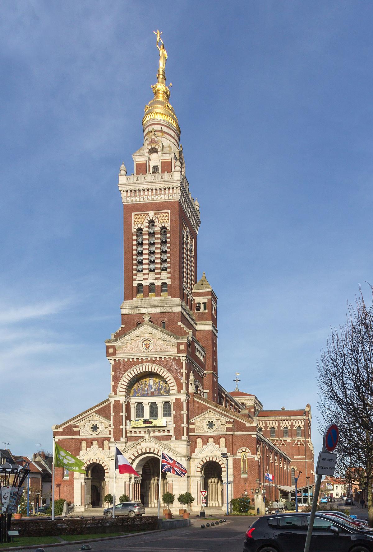 Albert (Somme) — Wikipédia destiné Piscine Montdidier