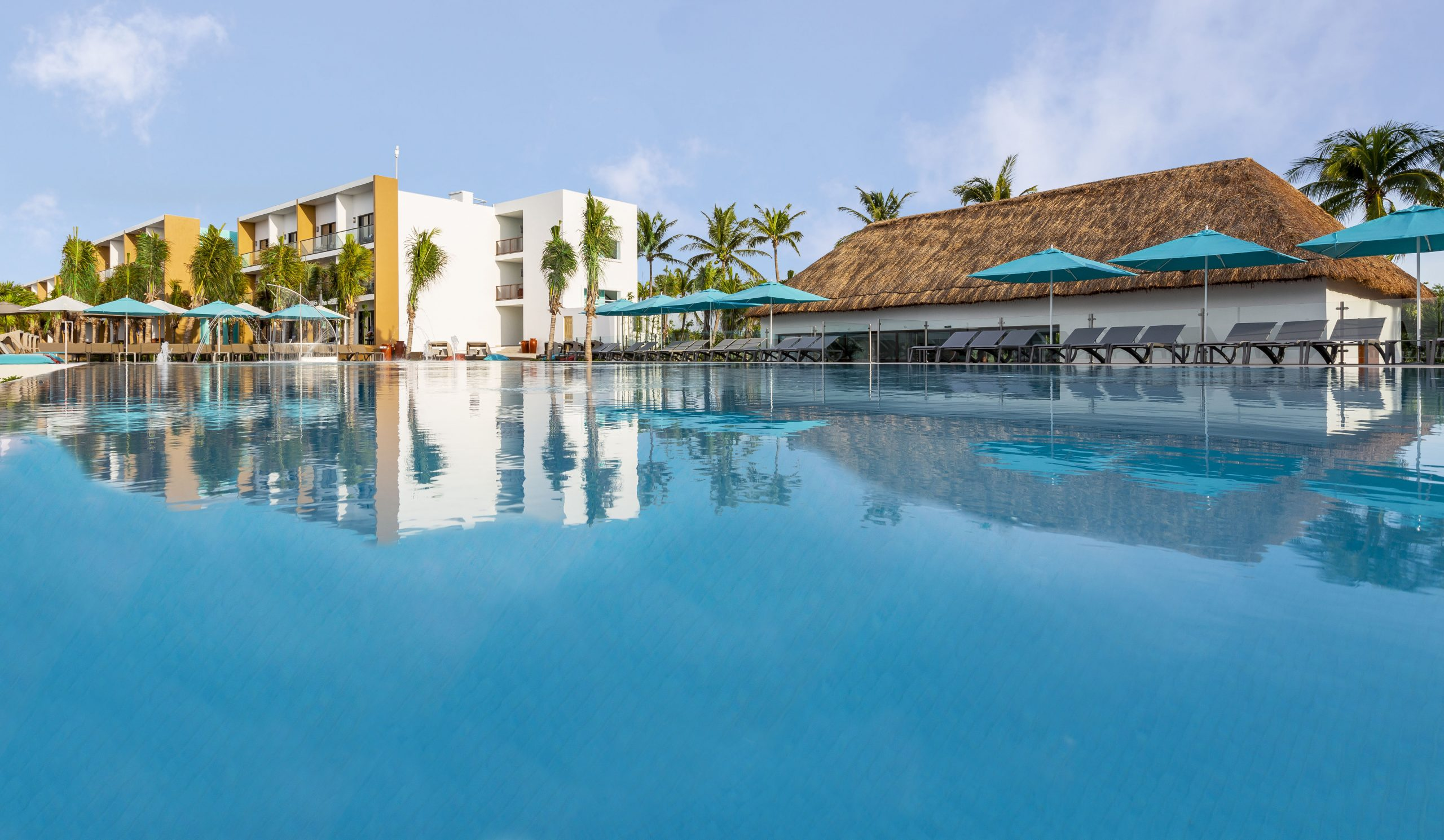 All Inclusive Resorts For Families | Club Med intérieur Piscine Eurocéane