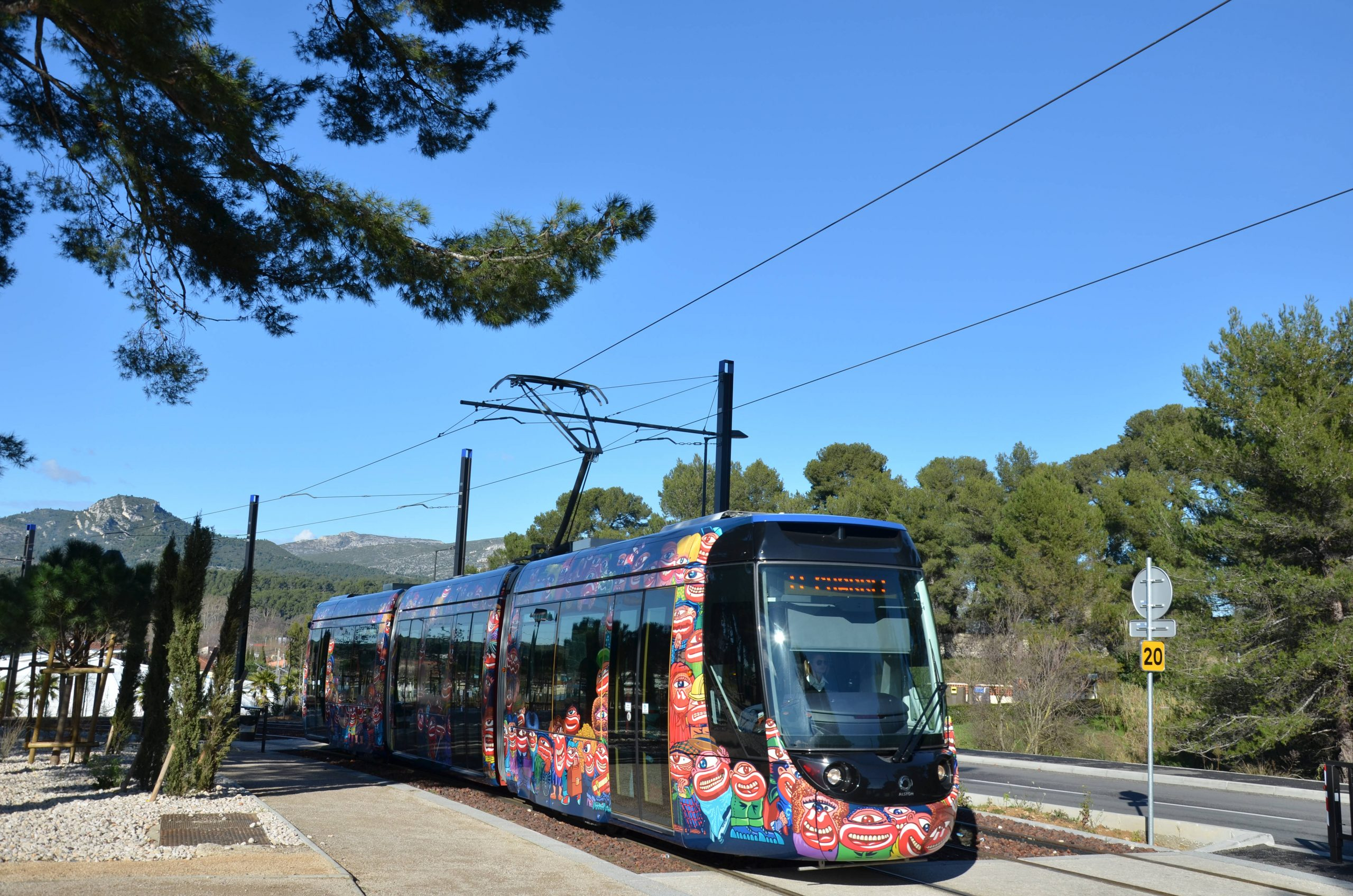 Alstom Citadis Compact - Piscine Alain Bernard – Aubagne ... concernant Piscine Alain Bernard