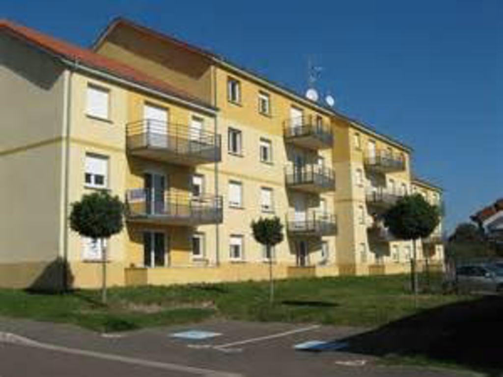 Apartment 1 Room For Sale In Forbach (France) - Ref. Zuf8 ... intérieur Piscine Forbach
