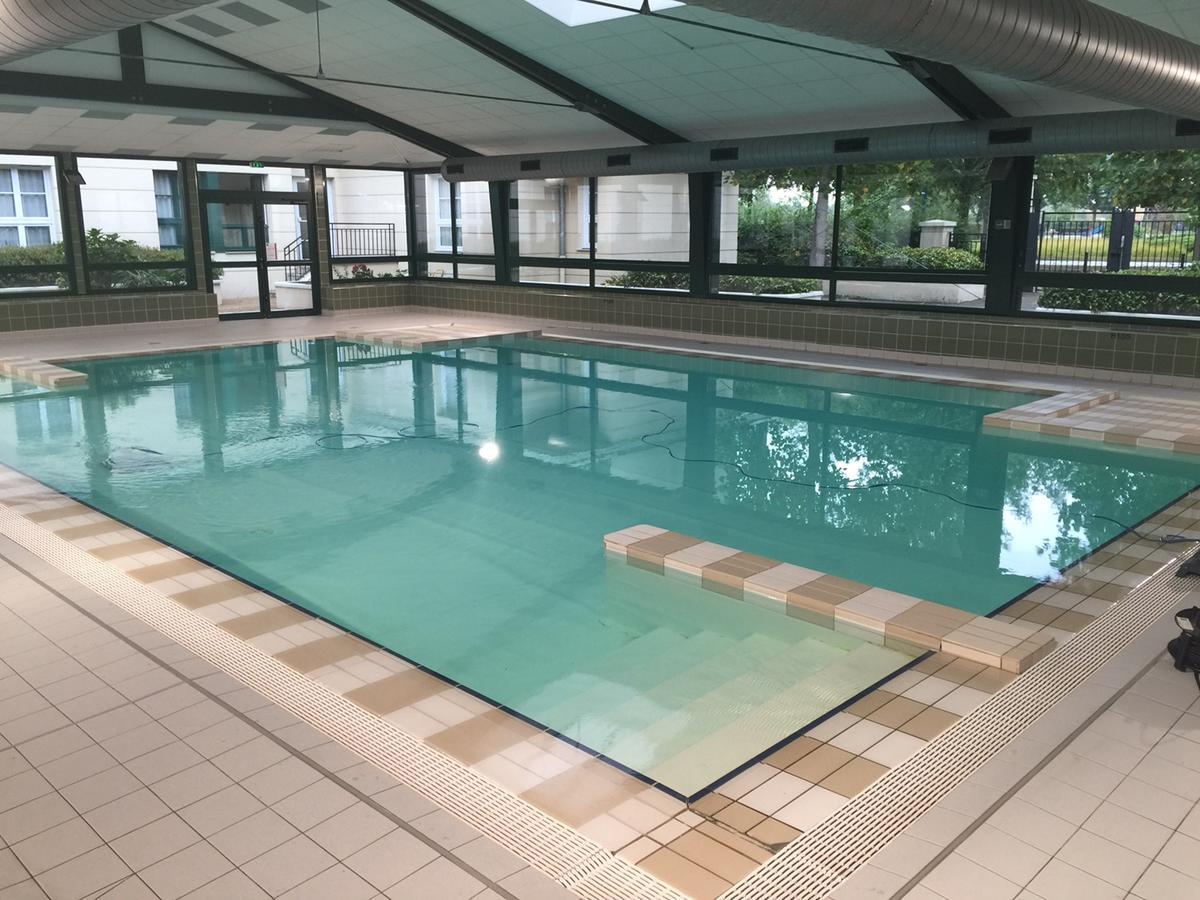 Apartment Near Disneyland, Serris, France - Booking pour Piscine Serris