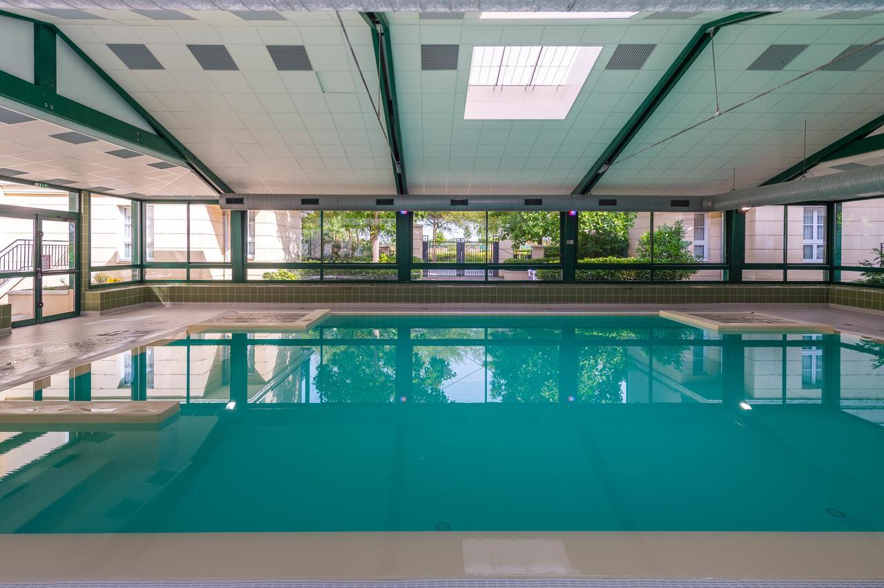 Apartment Rainbow Duplex N°1 Disney, Serris, France ... pour Piscine Serris