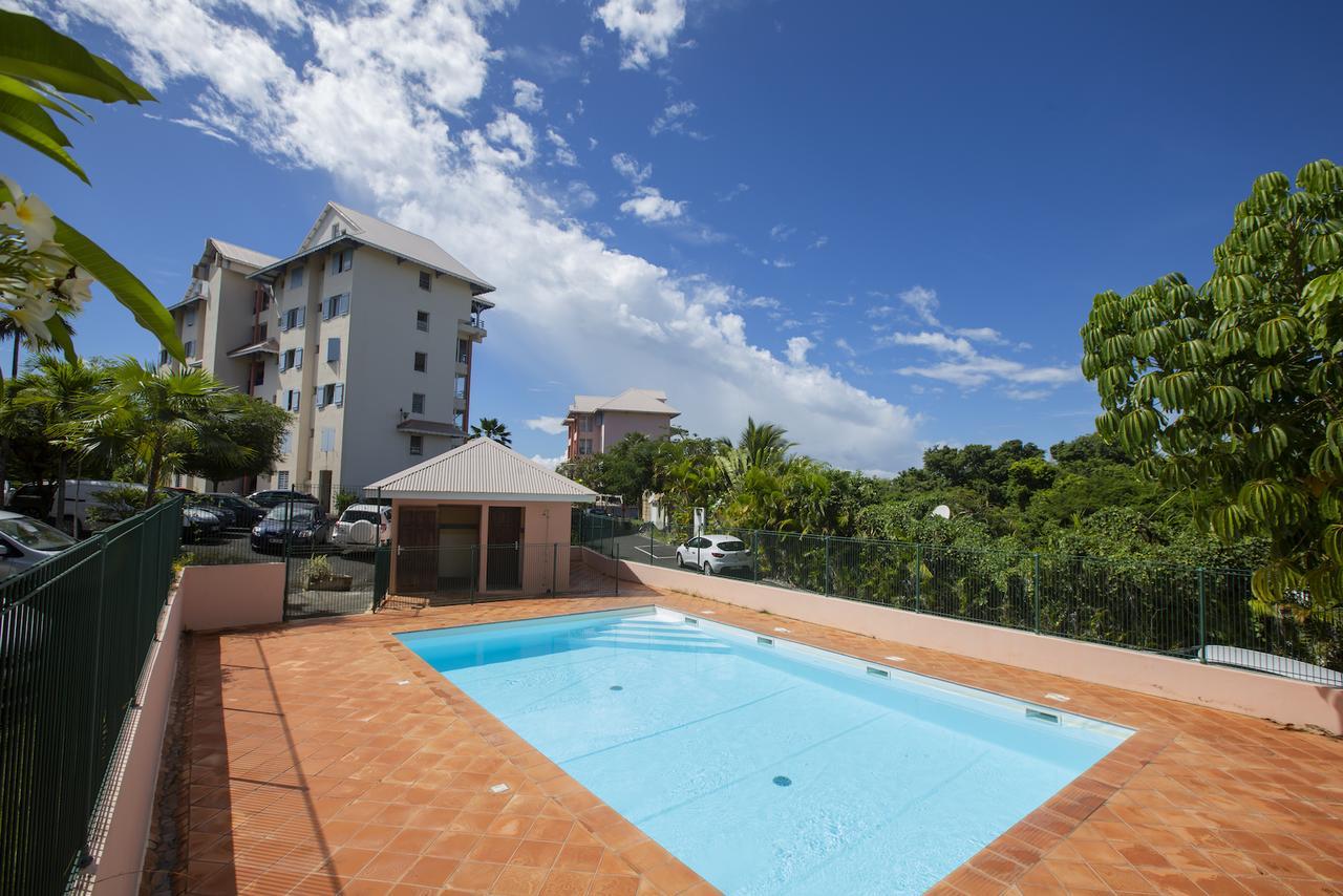 Appartement De Charme Vue Mer, Îlet Du Gosier (Guadeloupe Le ... concernant Piscine Saint Leu La Foret