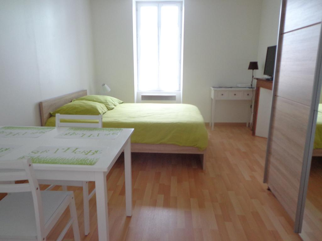 Appartement D'hôtes - Appartement À Guéret Dans La Creuse (23) avec Piscine De Gueret