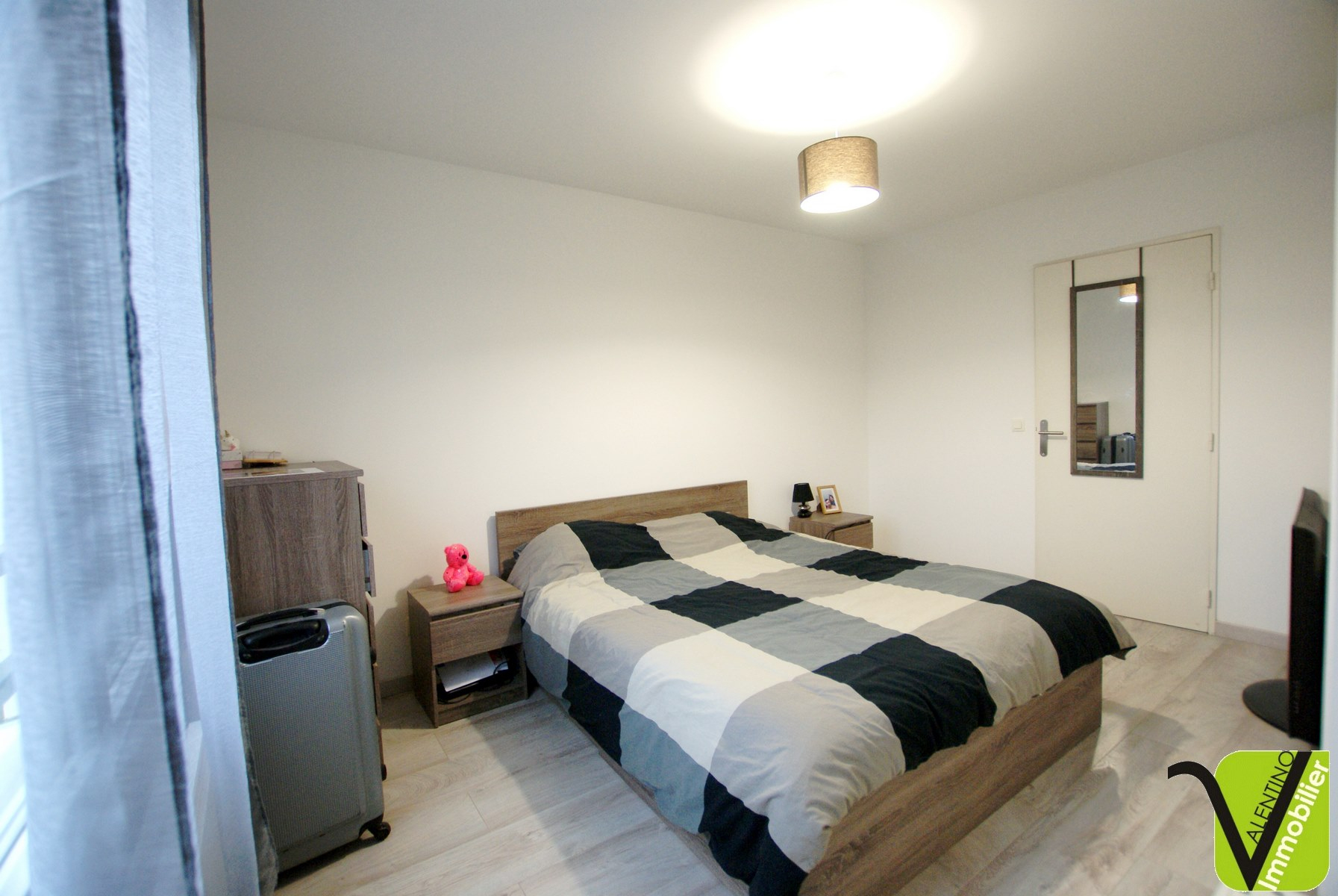 Appartement Meyzieu Réf 720 - Valentino Immobilier dedans Piscine Meyzieu