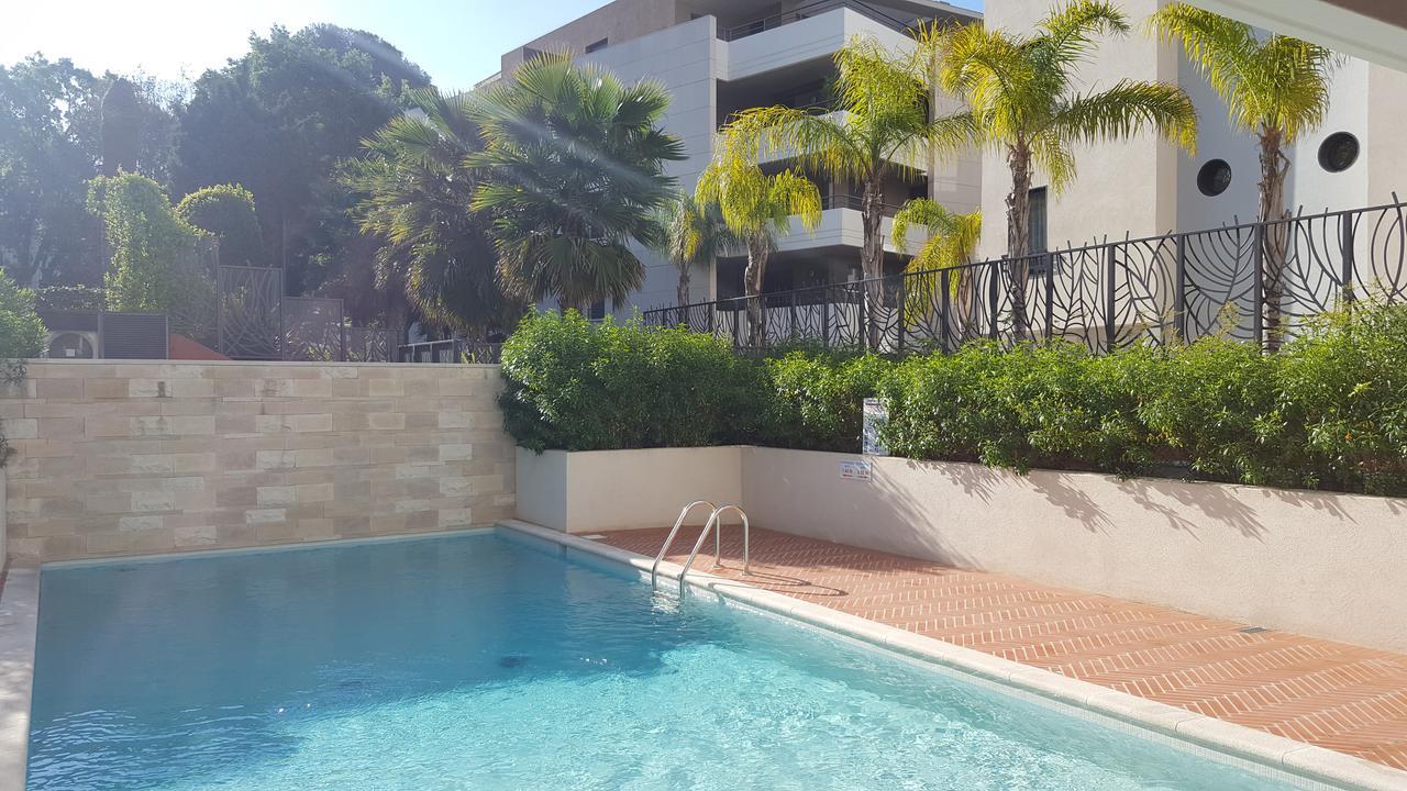 Appartement Montfleury, Cannes, France - Booking dedans Piscine Montfleury