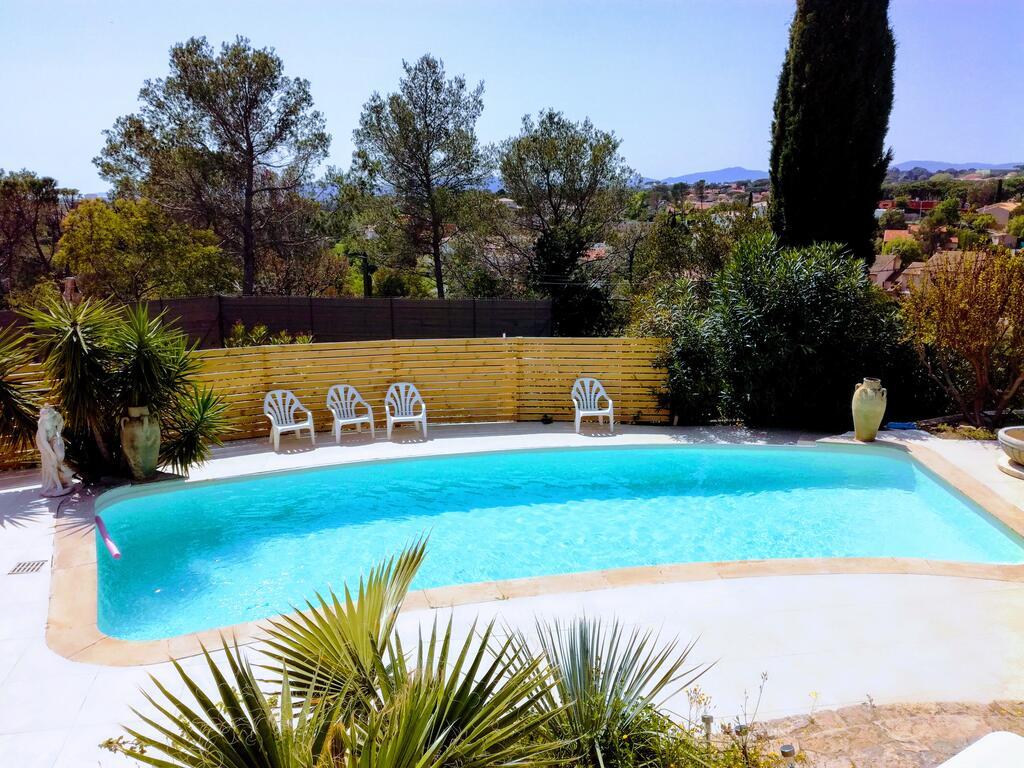 Appartements Les Mimosas & Piscine, Fréjus, France - Booking à Cash Piscine Toulon
