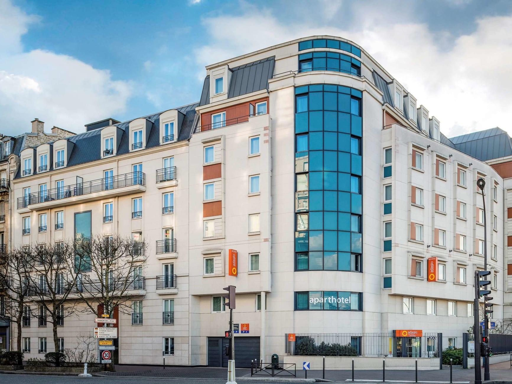 Appart'hôtel Hotel Adagio Access Pte De Charenton, Charenton ... dedans Piscine Charenton Le Pont