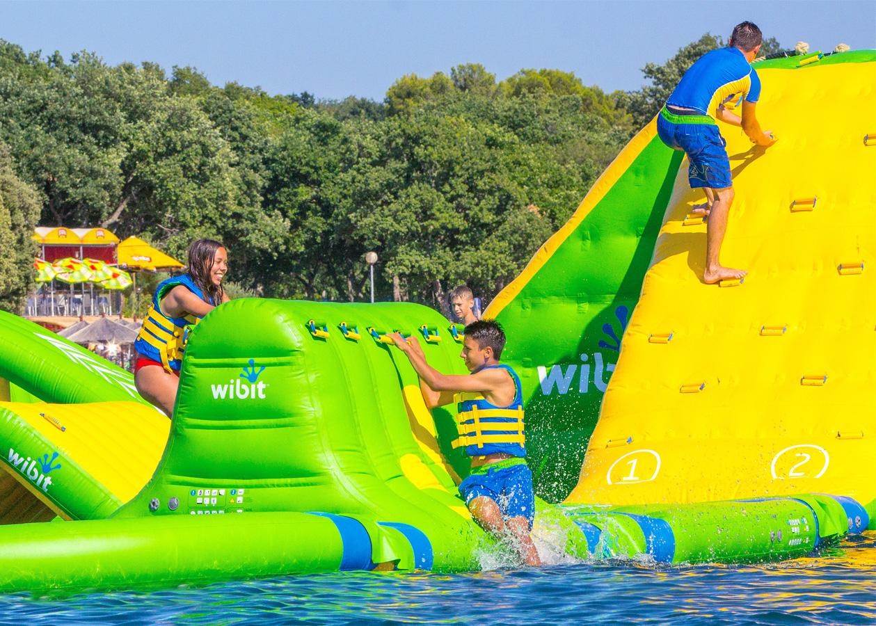Aqua West Park - Le Parc Aquatique Le Plus À L'ouest ! avec Piscine Saint Renan