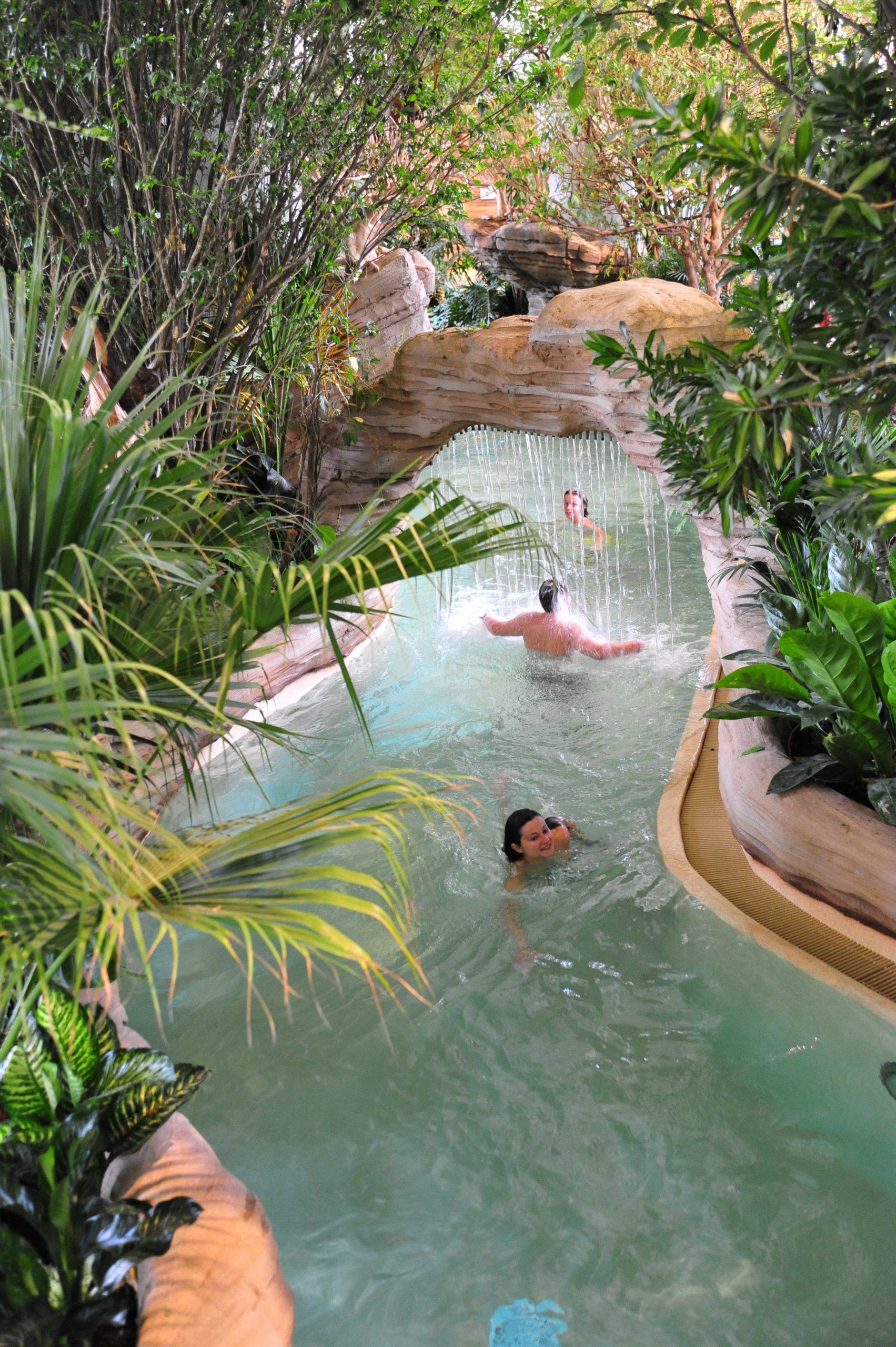 Aquariaz : Parc Aquatique Portes Du Soleil, Station De Ski ... tout Avoriaz Piscine