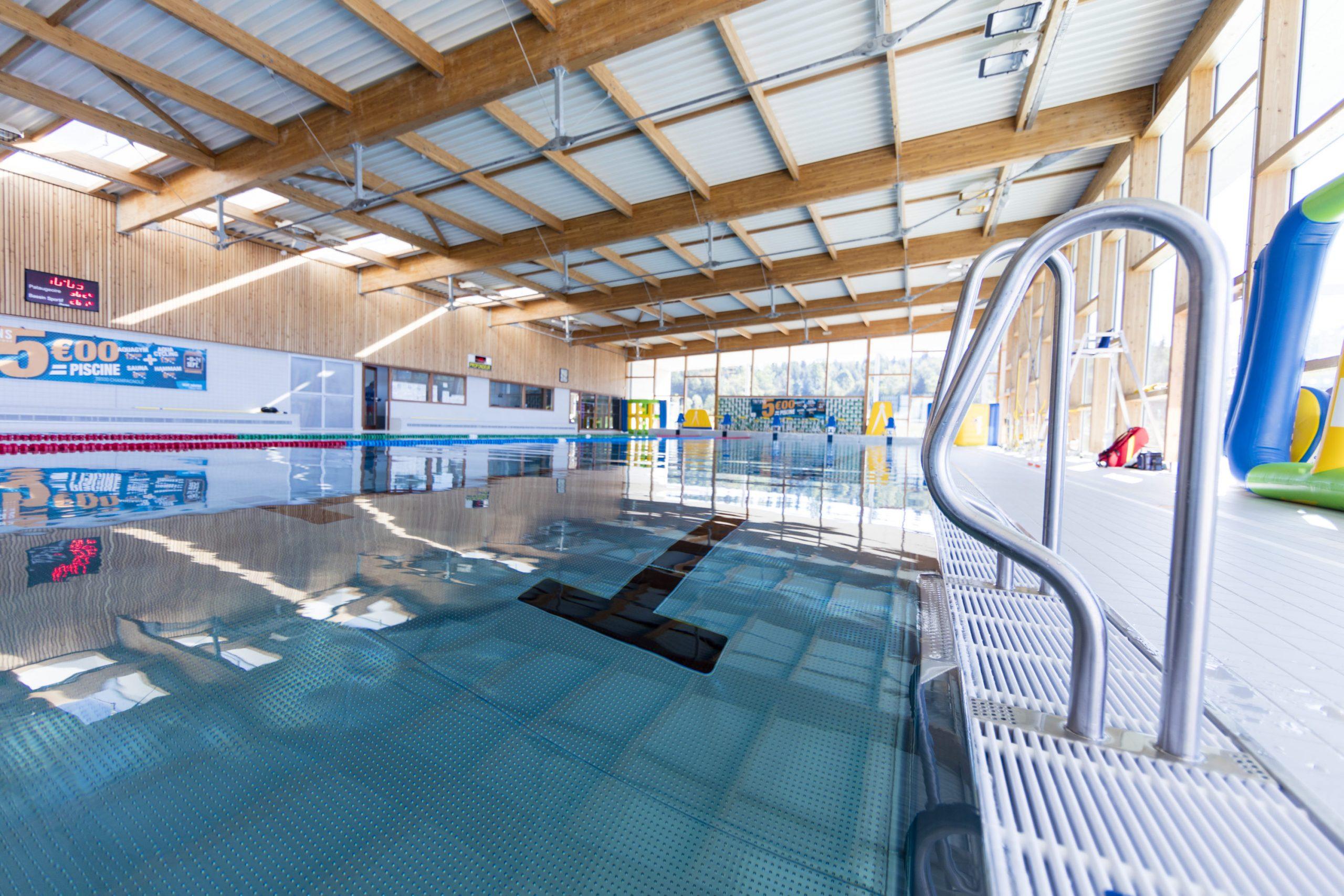 Aquatique – Centre Aquatique Les Tritons – Champagnole ... intérieur Piscine Champagnole