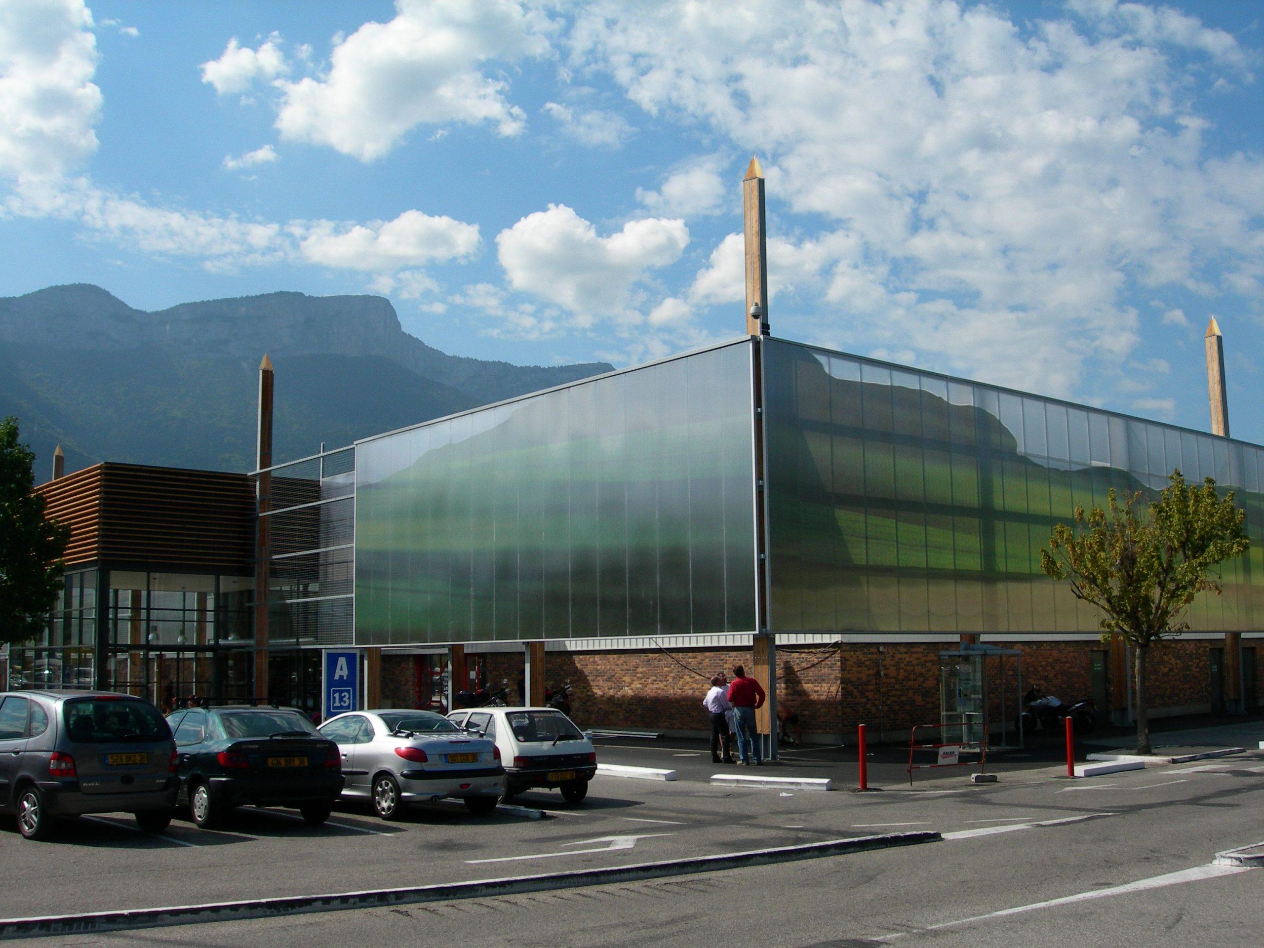 At Carrefour Saint Egreve Sud Architect Used Our Panels To ... destiné Piscine St Egreve