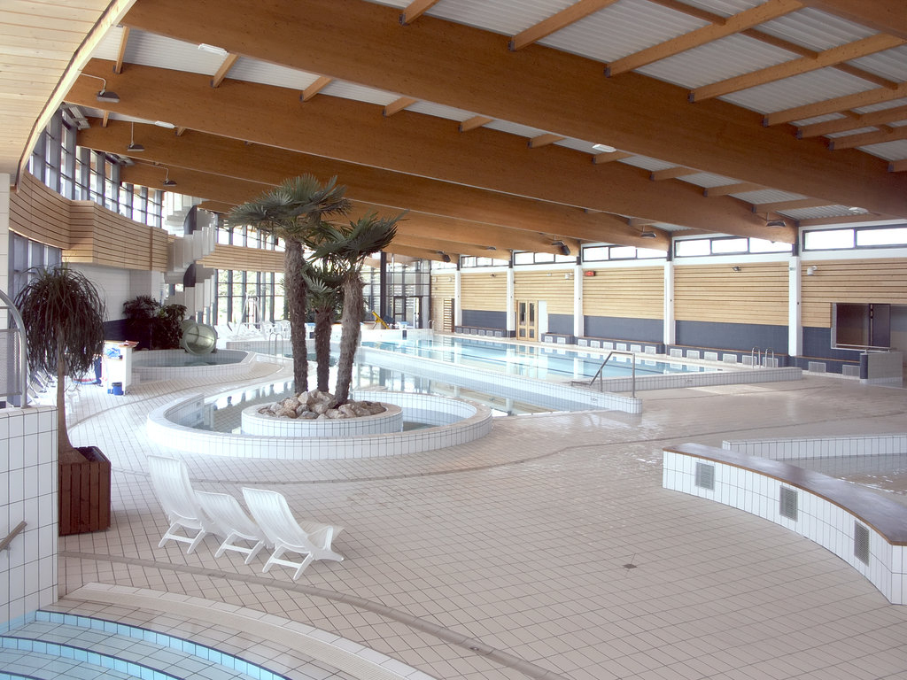 Atelier Arcos Architecture - Saint Vulbas destiné Piscine De Saint Vulbas