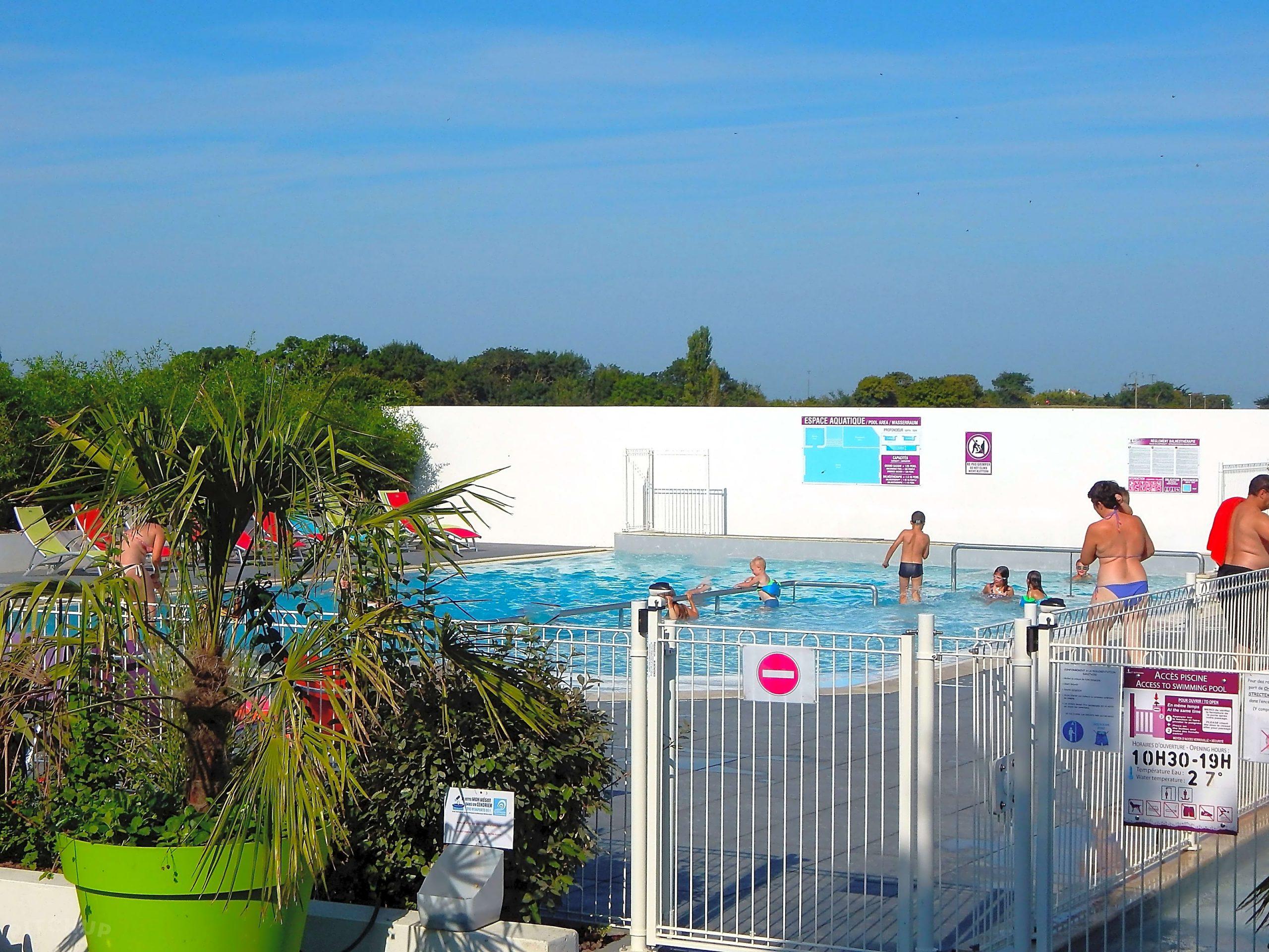Au Petit Port De L'houmeau, L'houmeau - Updated 2020 Prices ... à Horaire Piscine Petit Port