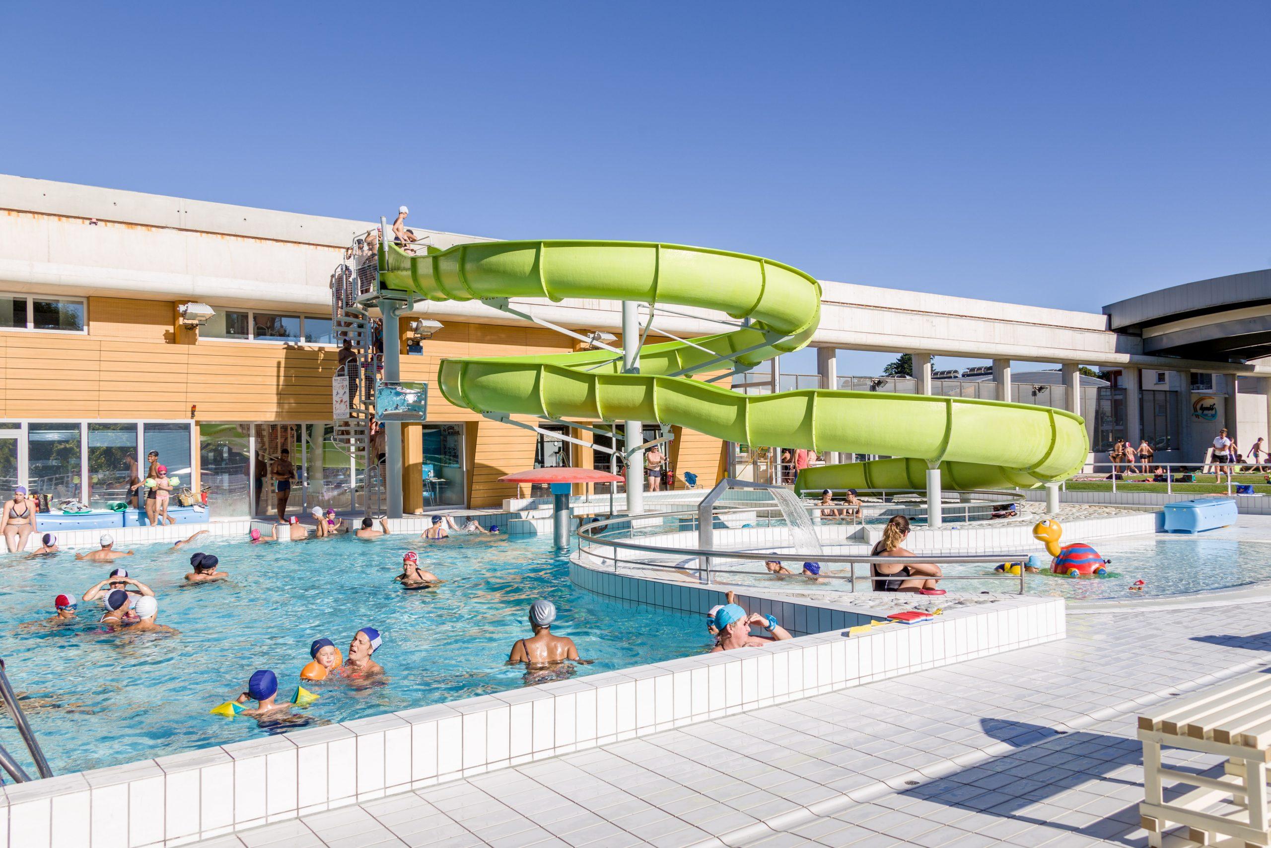 Auvergne-Rhône-Alpes Tourisme - Aqualib' Centre Aquatique dedans Piscine La Cote Saint André