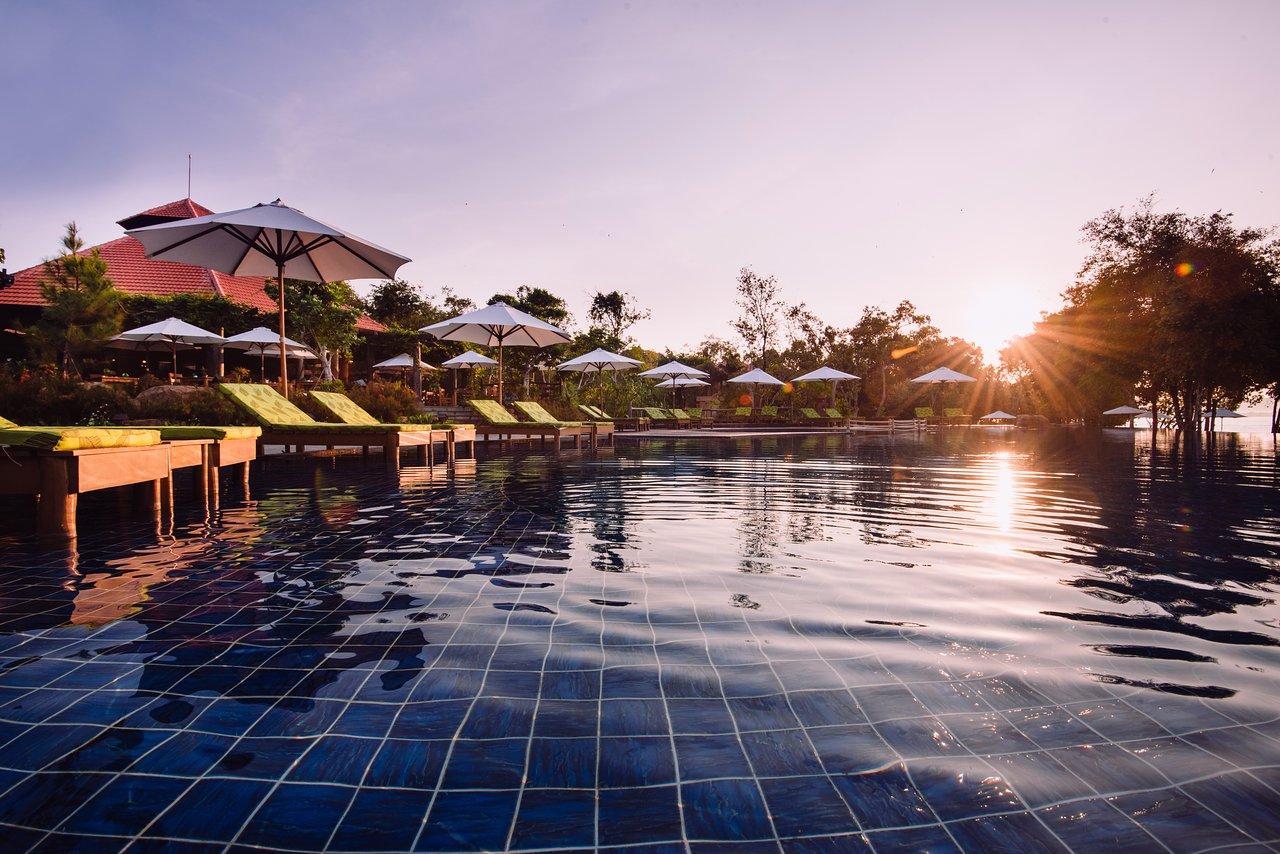 Avis Et Photos De La Piscine De L'green Bay Phu Quoc Resort ... encequiconcerne Piscine La Talaudiere