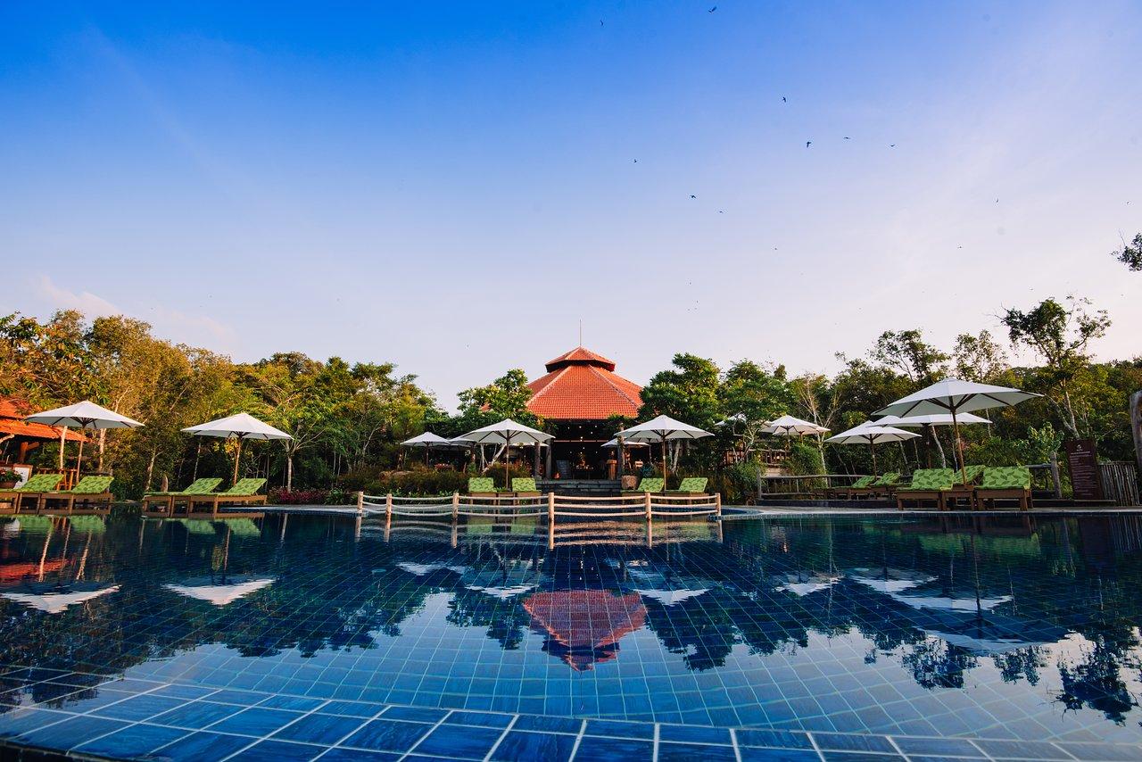 Avis Et Photos De La Piscine De L'green Bay Phu Quoc Resort ... intérieur Piscine La Talaudiere