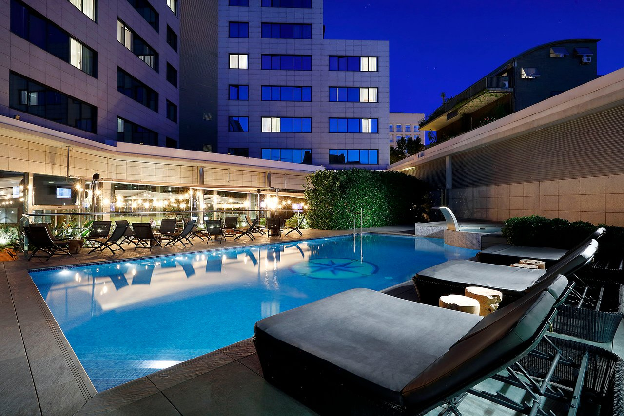 Avis Et Photos De La Piscine De L'hotel Sb Icaria Barcelona ... concernant Piscine La Talaudiere