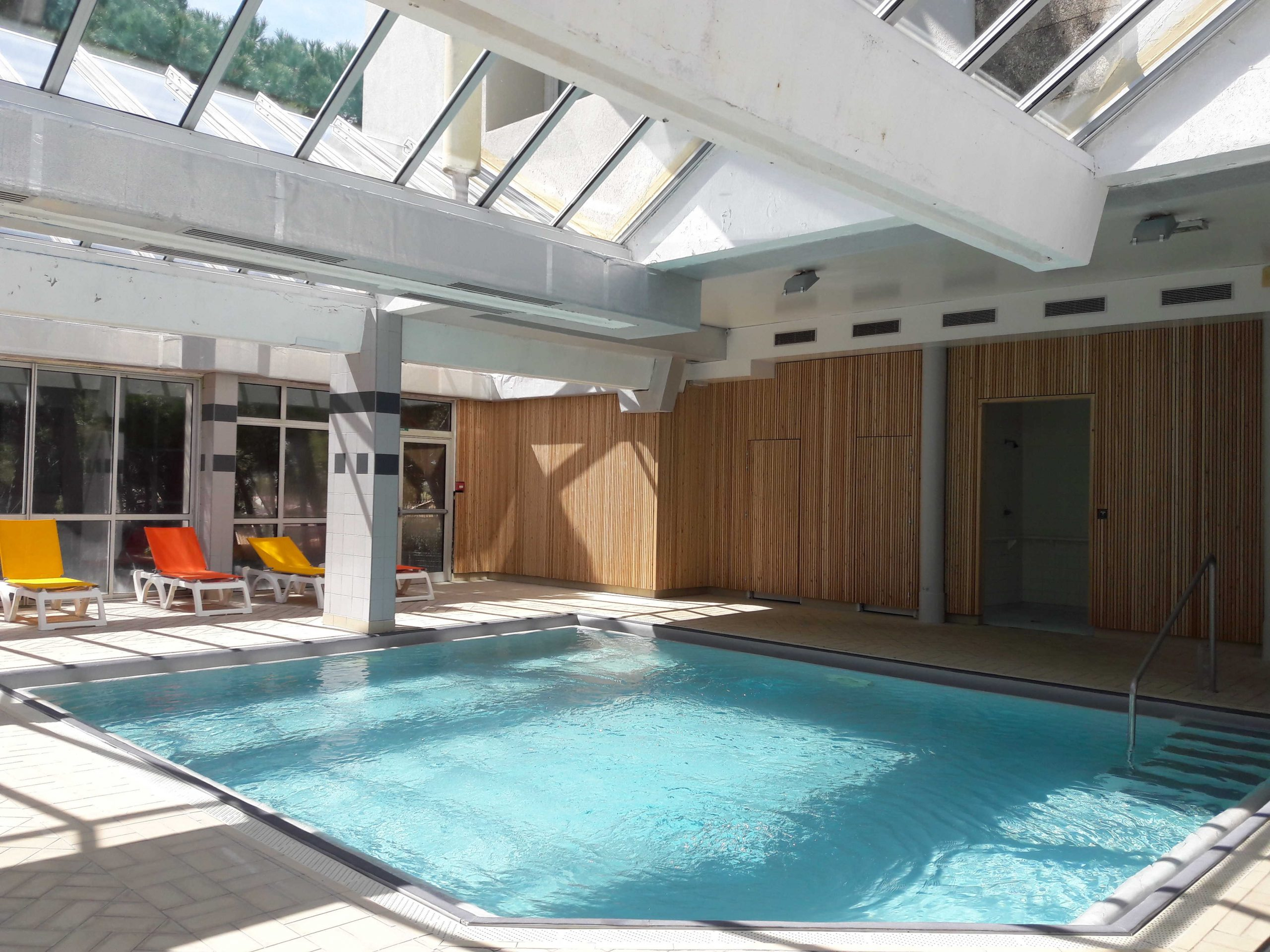 Balneotherapy Center, Hôtel Ibis Sète, Balaruc Les Bains encequiconcerne Piscine Sete
