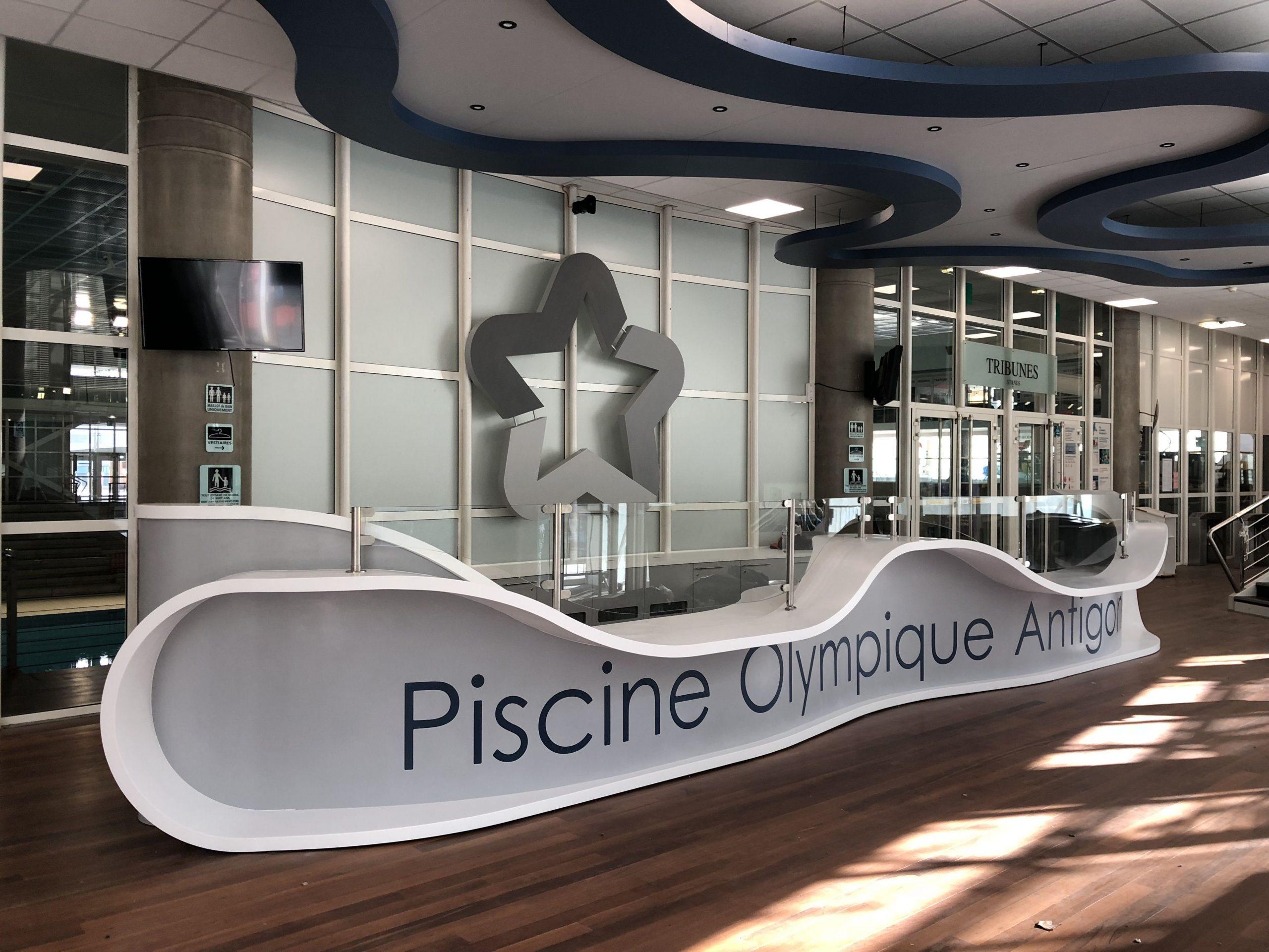 Banque D'accueil De La Piscine Olympique D'antigone À ... tout Piscine Montpellier Antigone