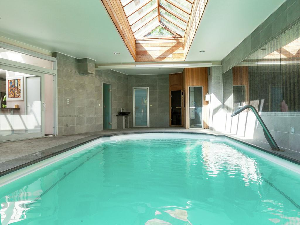 Beautiful Villa In Koksijde With Sauna, Belgium - Booking intérieur Piscine Coxyde