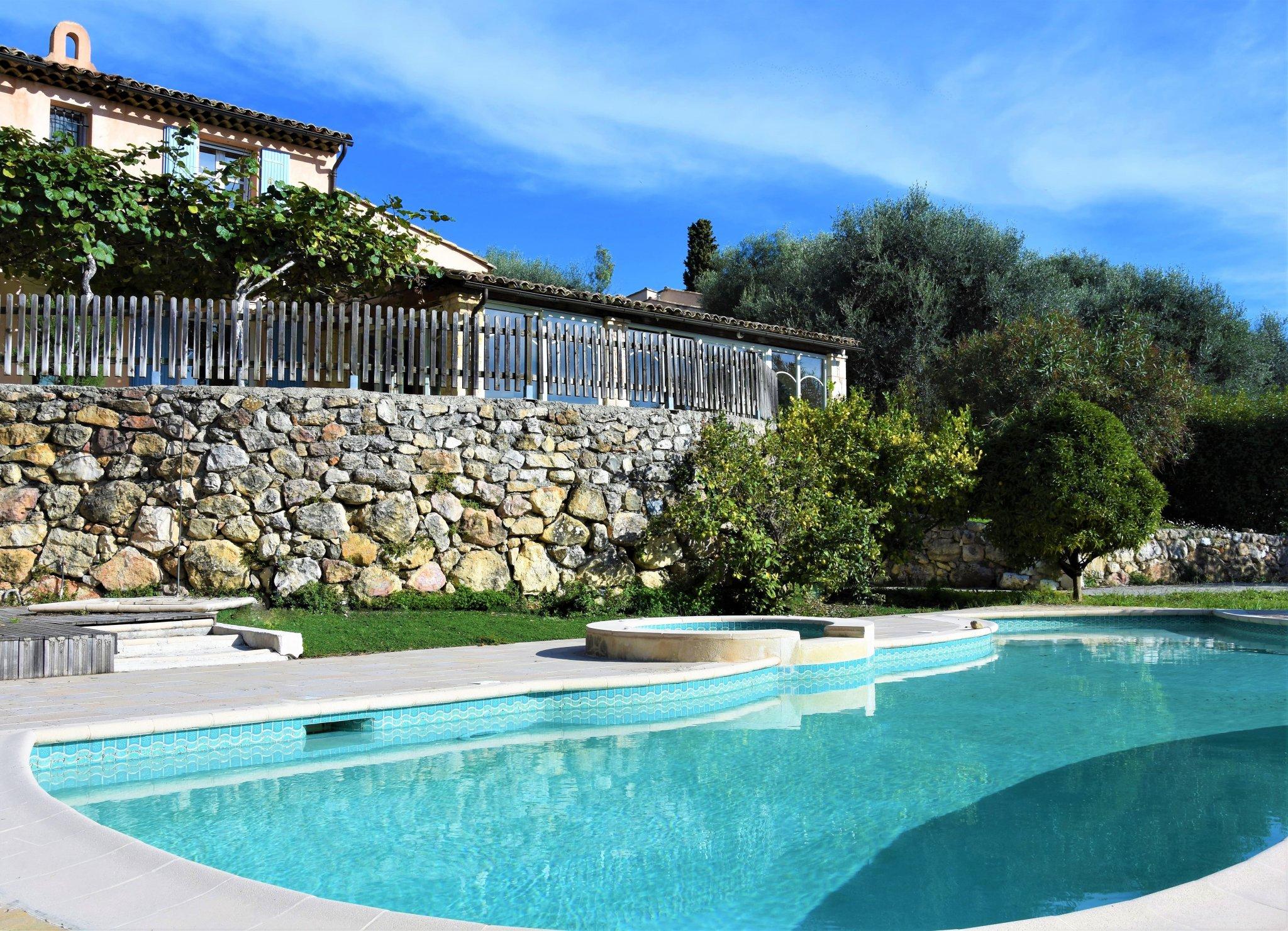 Beaux Villages Immobilier South West France - Vence - Villa ... concernant Piscine Originale