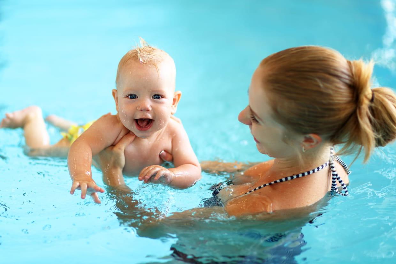 Bébé Nageur : Quels Bienfaits Pour L'enfant ? serapportantà Piscine Bebe 2 Mois