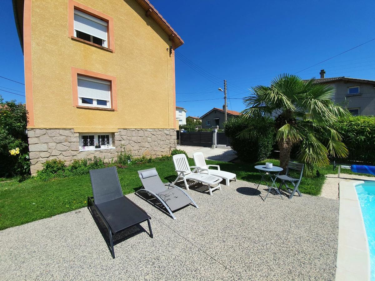 Bed And Breakfast Aux 2 Lots, Sorbiers, France - Booking pour Piscine La Talaudiere
