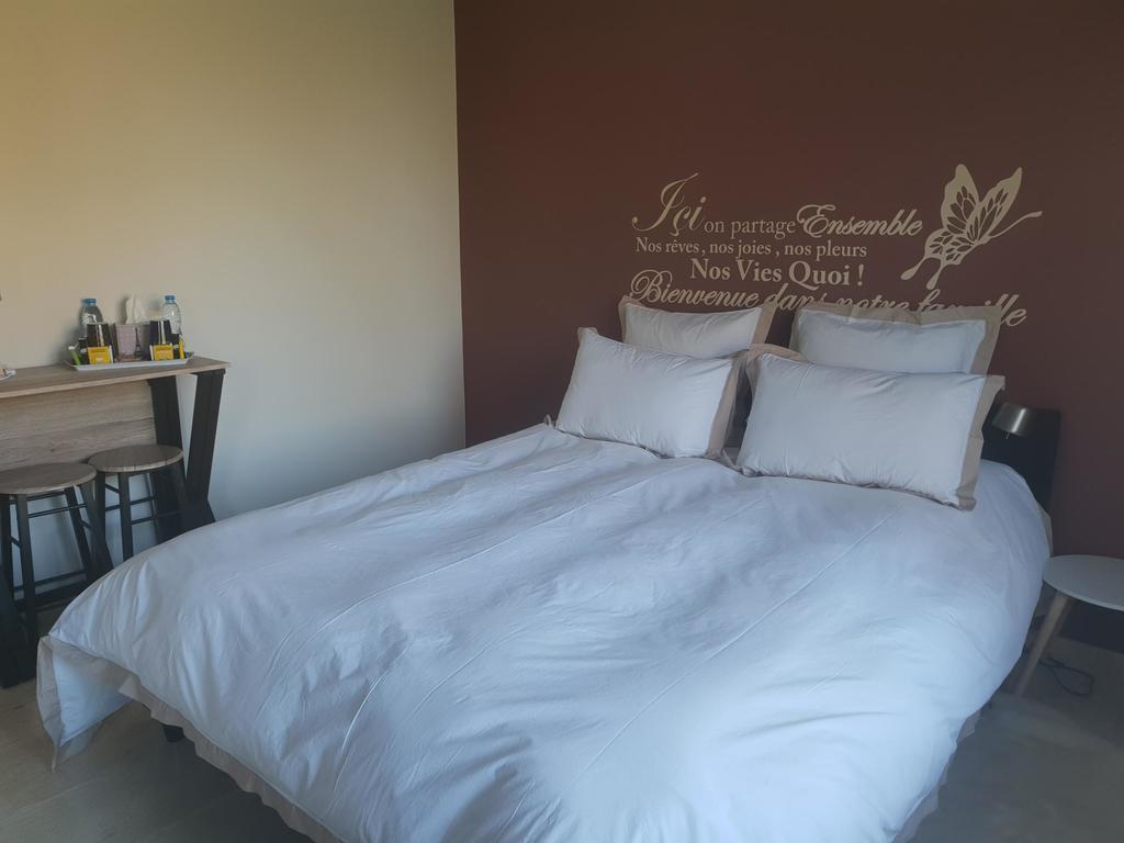 Bed And Breakfast La Bulle D'eau, Monchy-Breton, France ... dedans Piscine Bulle D O
