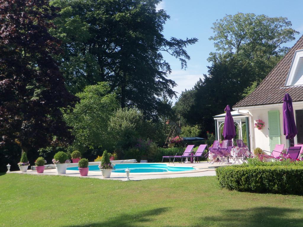 Bed And Breakfast Le Point Du Jour, Wimille, France ... serapportantà Piscine Helicea