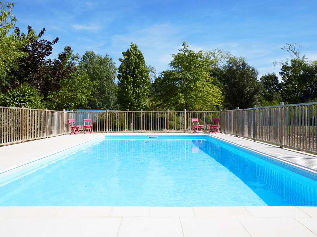 Bed & Breakfast Kyriad Tours - Joue Les Tours - Book A Room tout Piscine Chambray Les Tours