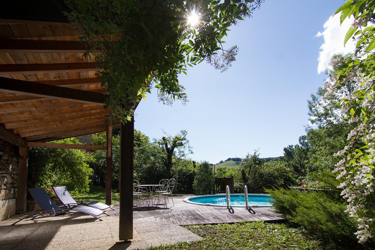 Belle Maison De Maître Avec Piscine Et Jardin Au Bord D'un ... avec Piscine Mazamet