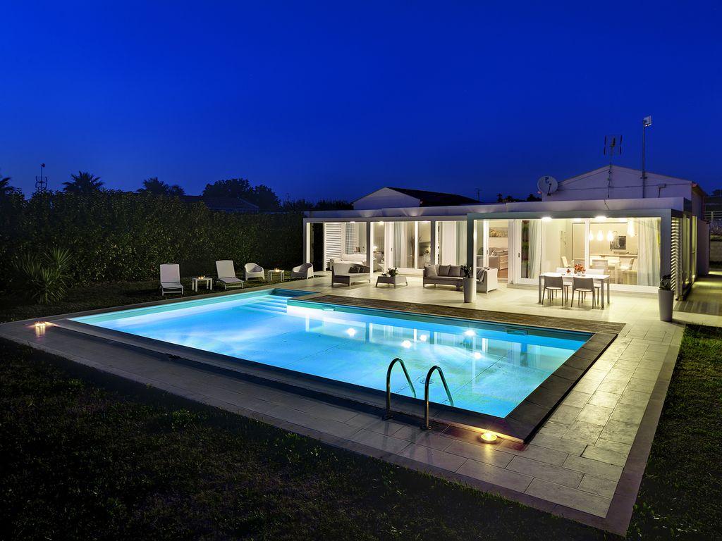 Bellissima Ed Elegante Villa Moderna, Con Piscina, Solarium E Giardino. -  Marina Di Ragusa intérieur Location Maison Portugal Piscine
