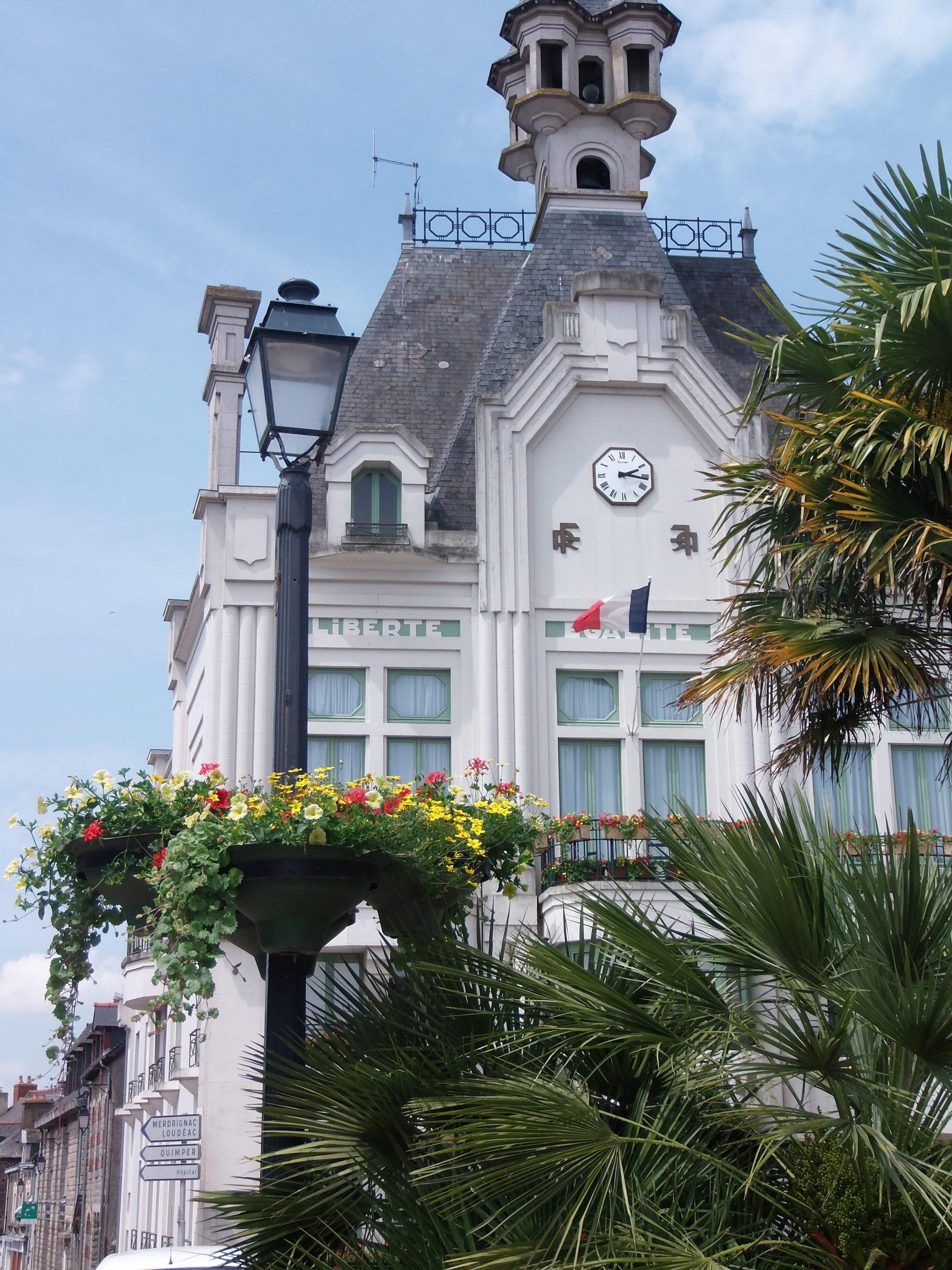 Bienvenue À Saint Méen Le Grand | Ville De Saint Méen Le Grand concernant Piscine Saint Meen Le Grand