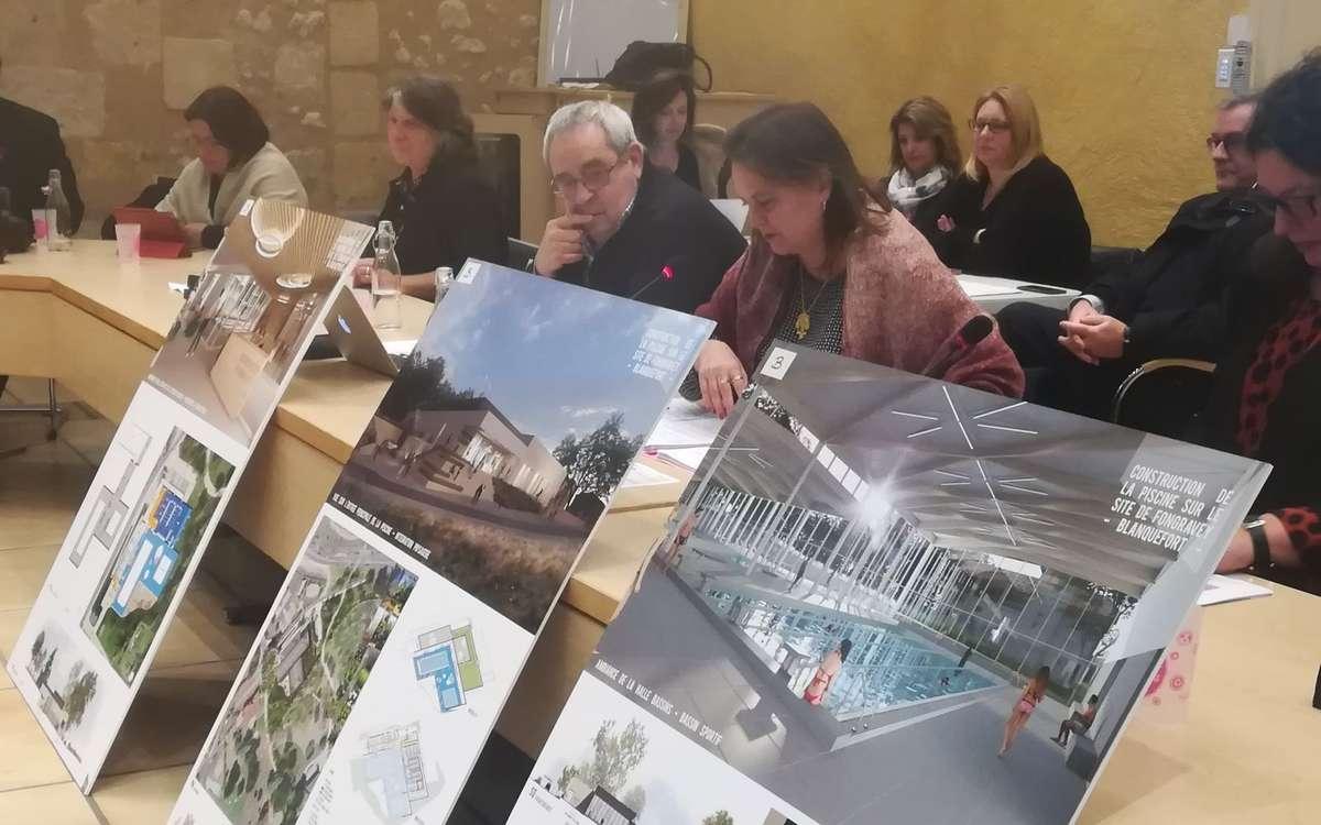Blanquefort : Le Projet De Piscine Agite La Campagne Des ... concernant Piscine Blanquefort