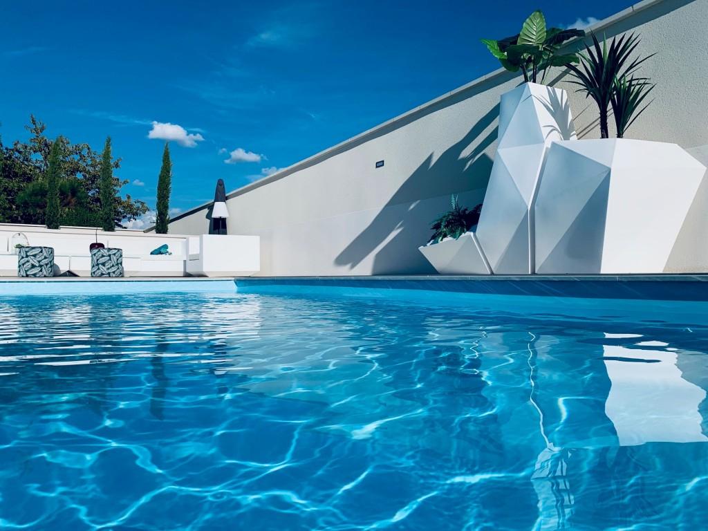 Bleu Tropical Piscines - Construction Et Entretien De ... avec Piscine Maurepas