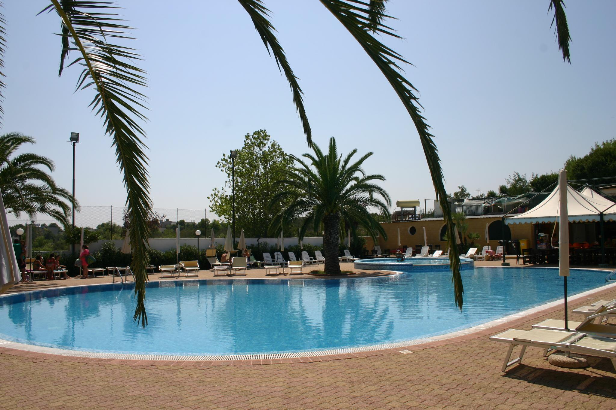 Book Residence Atlantide, Monopoli | Agoda Best Prices ... destiné Piscine Atlantides