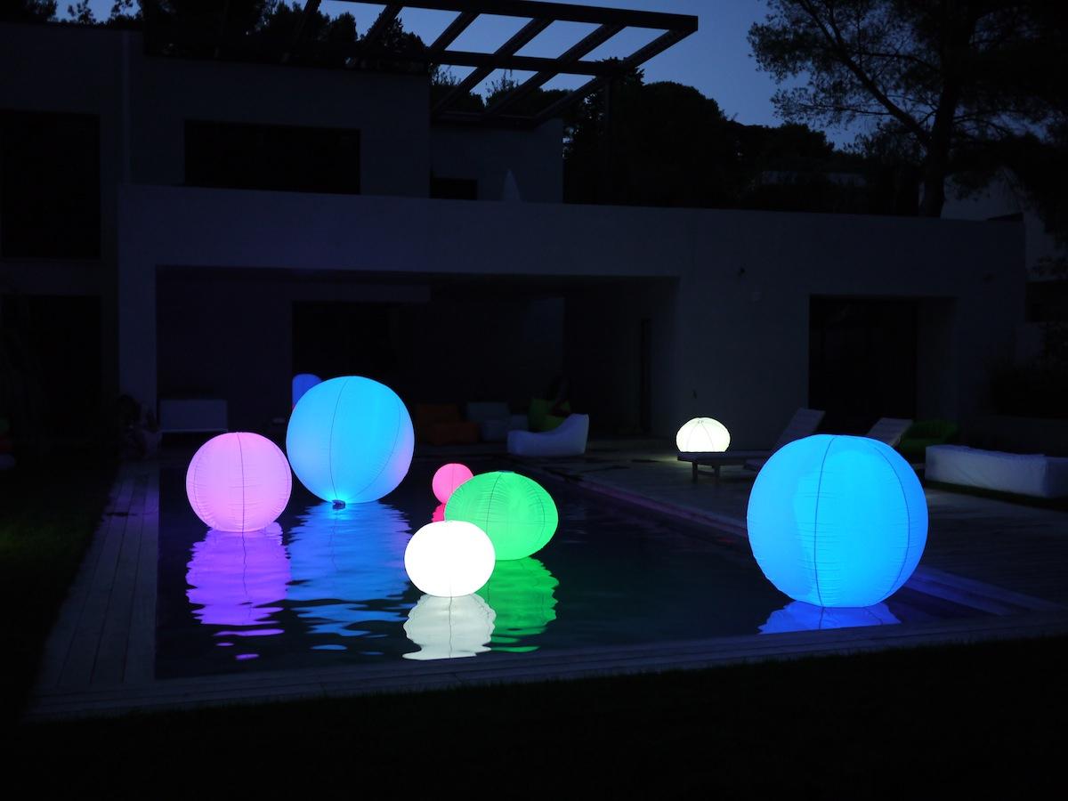 Boule Lumineuse Extérieur : Parfaite Pour Décorer Votre Piscine intérieur Boule Lumineuse Piscine